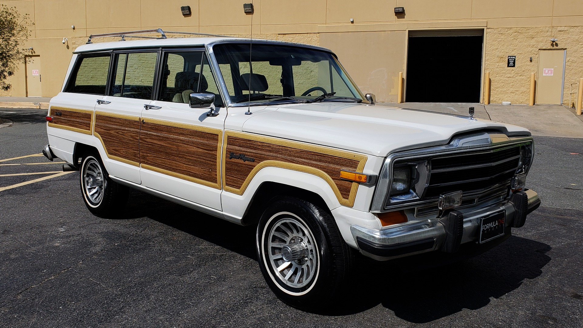 Used 1989 Jeep GRAND WAGONEER 4X4 / SUNROOF / CRUISE / ROOF RACK for sale Sold at Formula Imports in Charlotte NC 28227 6