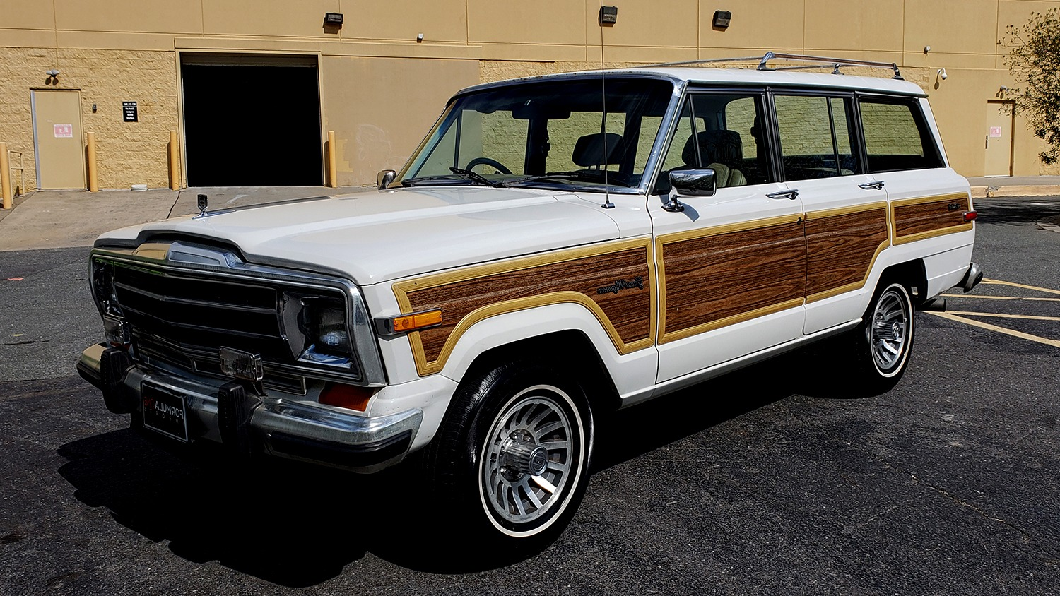 Used 1989 Jeep GRAND WAGONEER 4X4 / SUNROOF / CRUISE / ROOF RACK for sale Sold at Formula Imports in Charlotte NC 28227 1