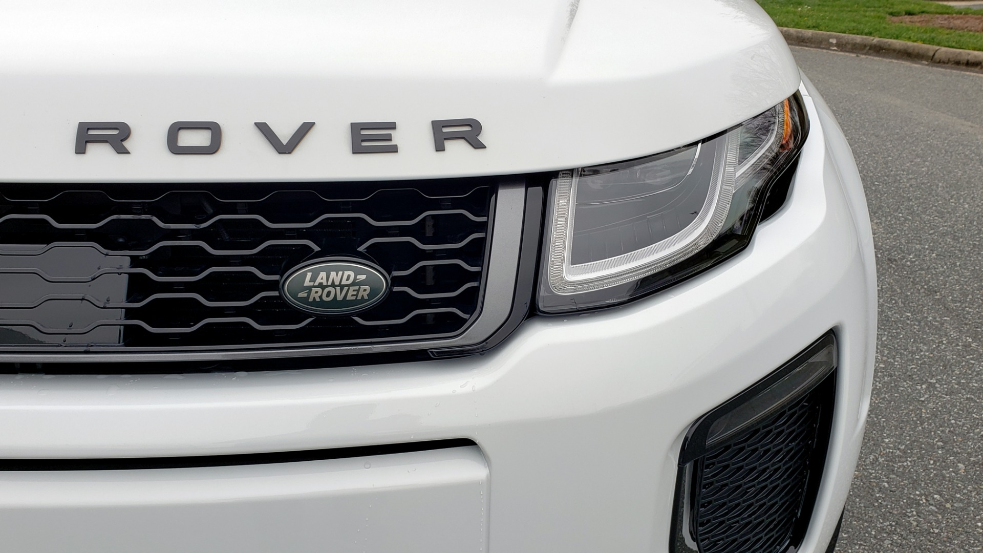 Used 2016 Land Rover RANGE ROVER EVOQUE HSE DYNAMIC / AWD / NAV / PANO-ROOF / REARVIEW / 22-IN WHEELS for sale Sold at Formula Imports in Charlotte NC 28227 25