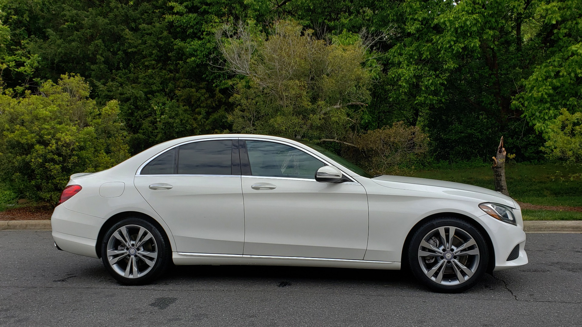 Used 2017 Mercedes-Benz C-Class C 300 PREMIUM / NAV / PANO-ROOF / HTD STS / REARVIEW for sale Sold at Formula Imports in Charlotte NC 28227 5