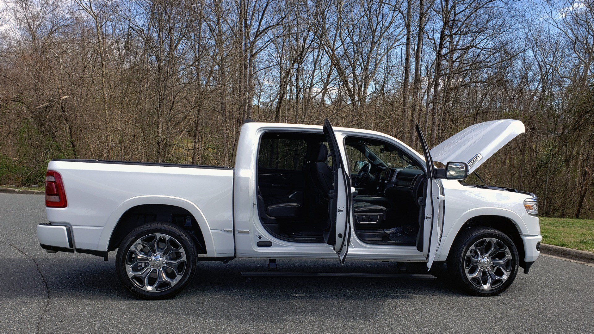 Used 2020 Ram 1500 LIMITED 4X4 / NAV / PANO-ROOF / PARK ASST / REARVIEW / HK SND for sale Sold at Formula Imports in Charlotte NC 28227 11