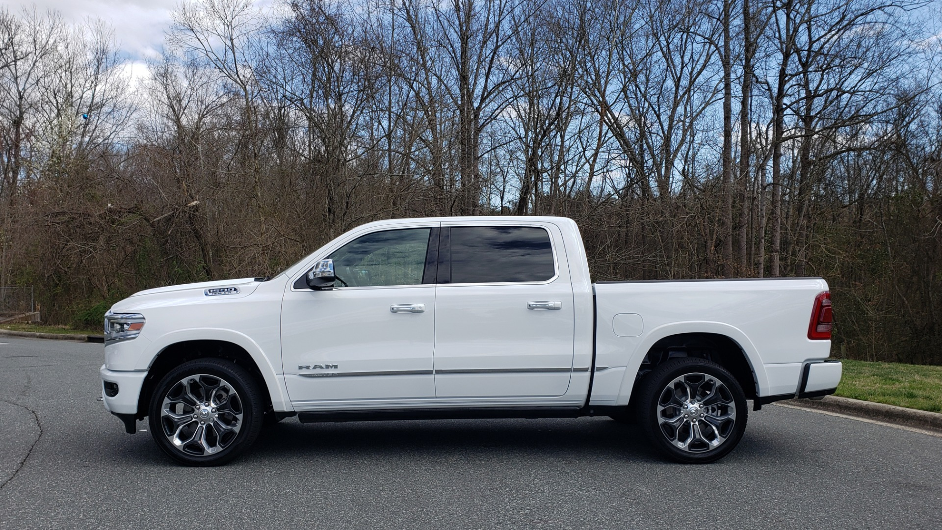 Used 2020 Ram 1500 LIMITED 4X4 / NAV / PANO-ROOF / PARK ASST / REARVIEW / HK SND for sale Sold at Formula Imports in Charlotte NC 28227 3