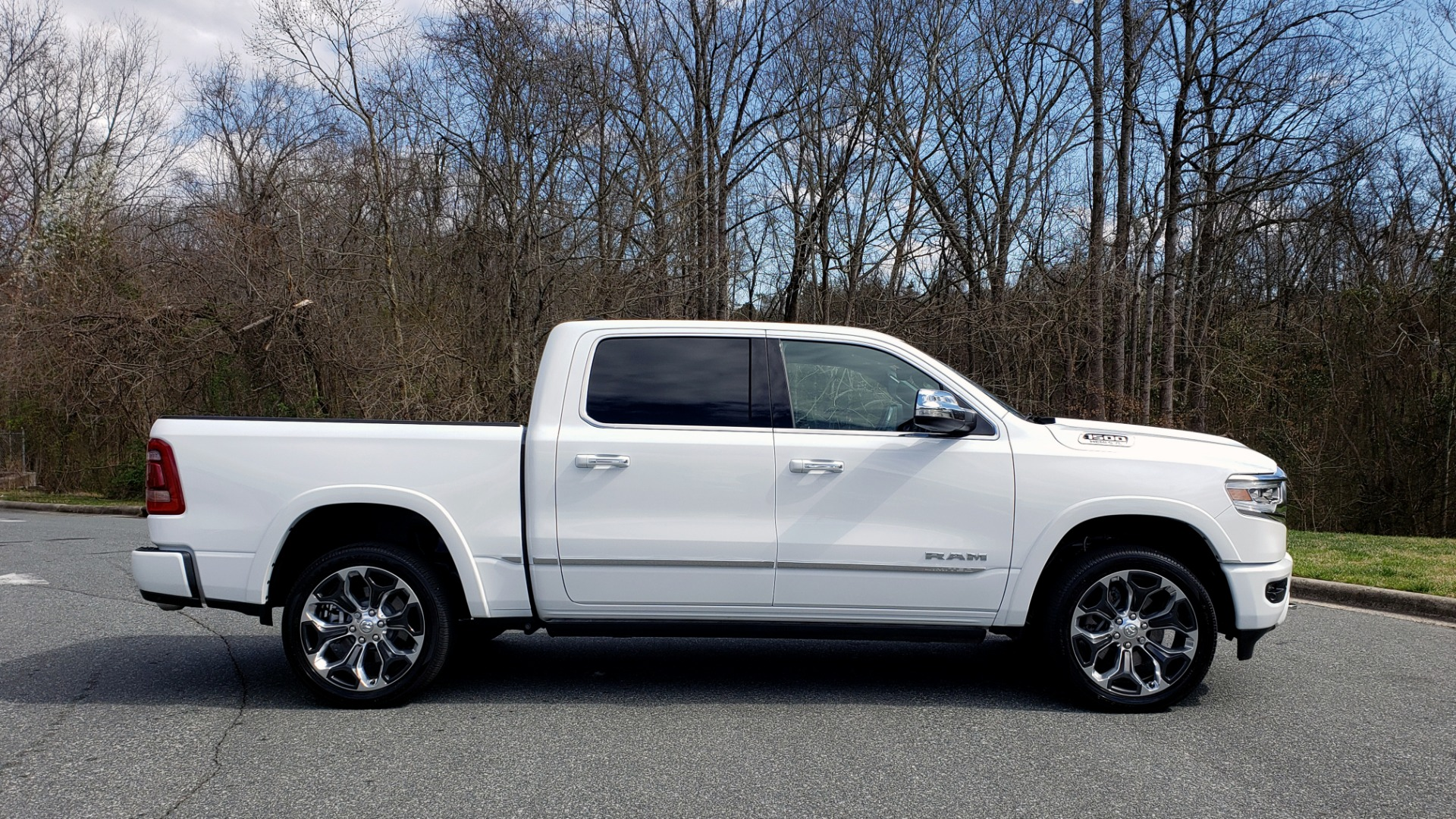 Used 2020 Ram 1500 LIMITED 4X4 / NAV / PANO-ROOF / PARK ASST / REARVIEW / HK SND for sale Sold at Formula Imports in Charlotte NC 28227 5