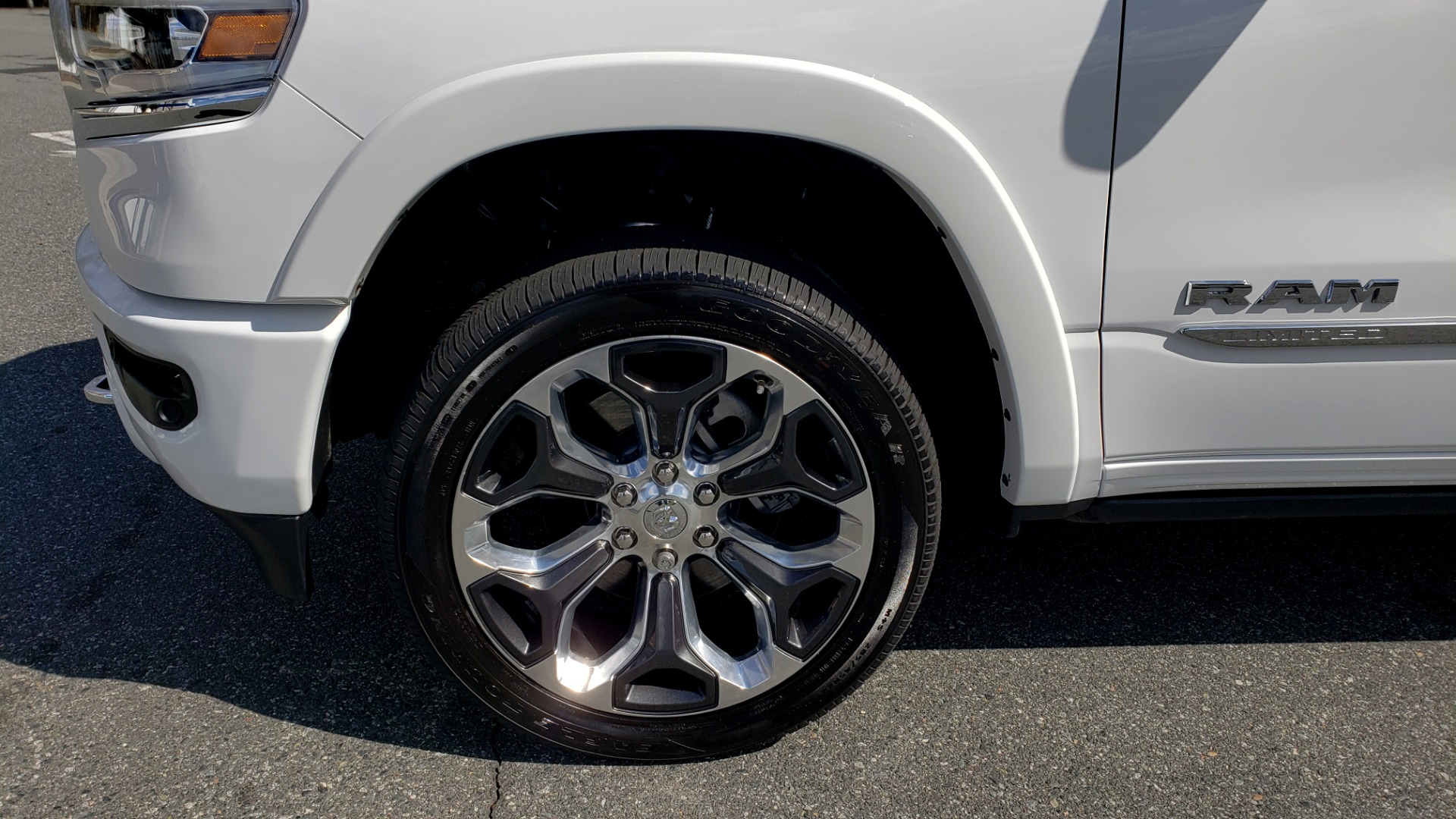 Used 2020 Ram 1500 LIMITED 4X4 / NAV / PANO-ROOF / PARK ASST / REARVIEW / HK SND for sale Sold at Formula Imports in Charlotte NC 28227 94