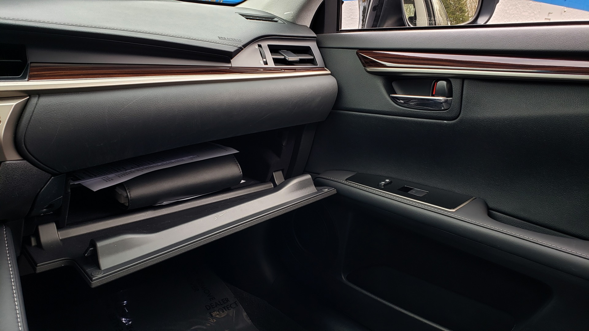 Used 2017 Lexus ES 350 PREMIUM / SUNROOF / PARK ASST / BSM / VENT SEATS / REARVIEW for sale Sold at Formula Imports in Charlotte NC 28227 50
