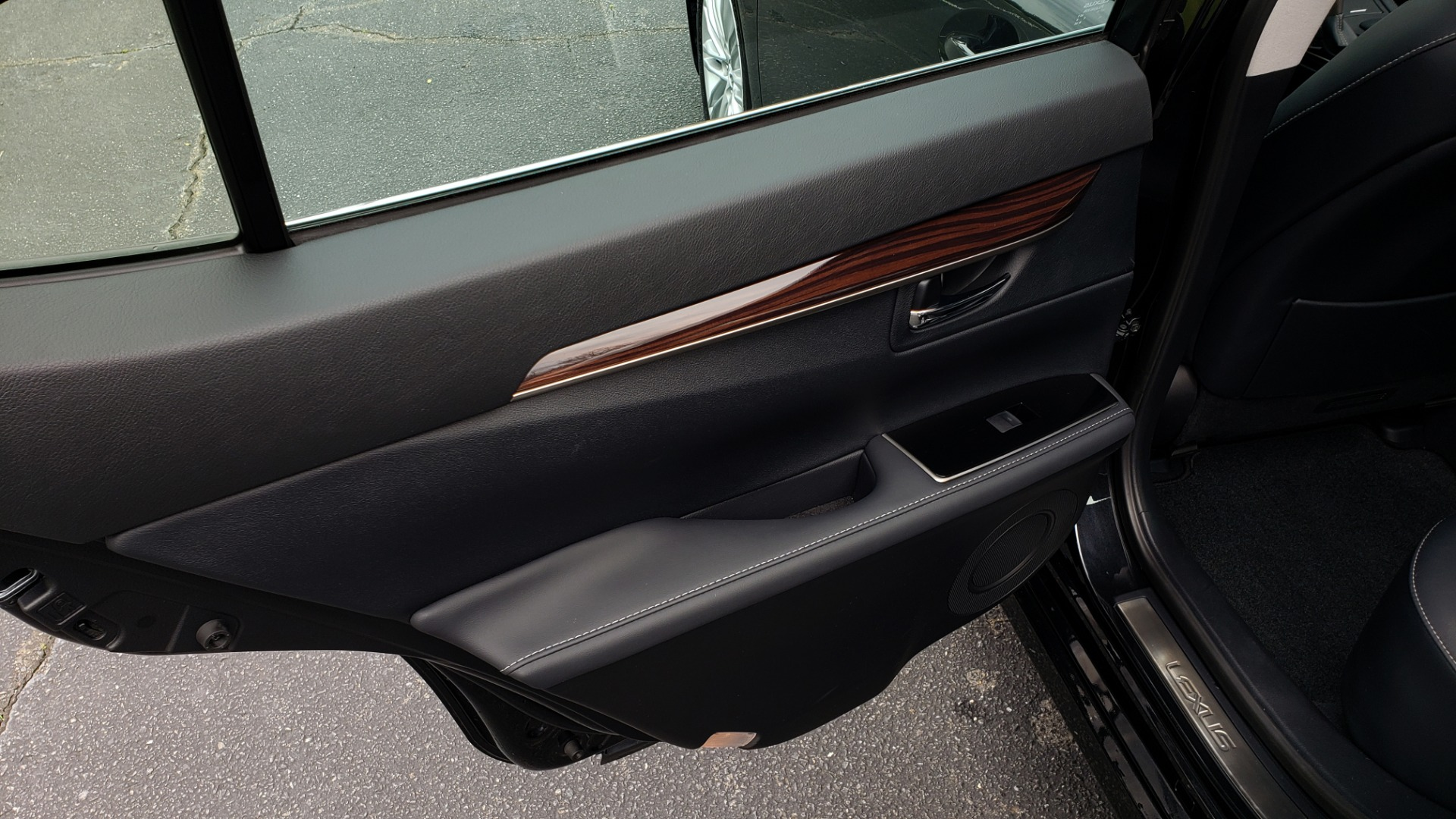 Used 2017 Lexus ES 350 PREMIUM / SUNROOF / PARK ASST / BSM / VENT SEATS / REARVIEW for sale Sold at Formula Imports in Charlotte NC 28227 56