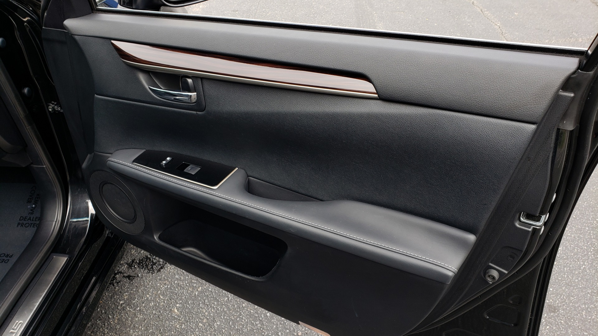 Used 2017 Lexus ES 350 PREMIUM / SUNROOF / PARK ASST / BSM / VENT SEATS / REARVIEW for sale Sold at Formula Imports in Charlotte NC 28227 60