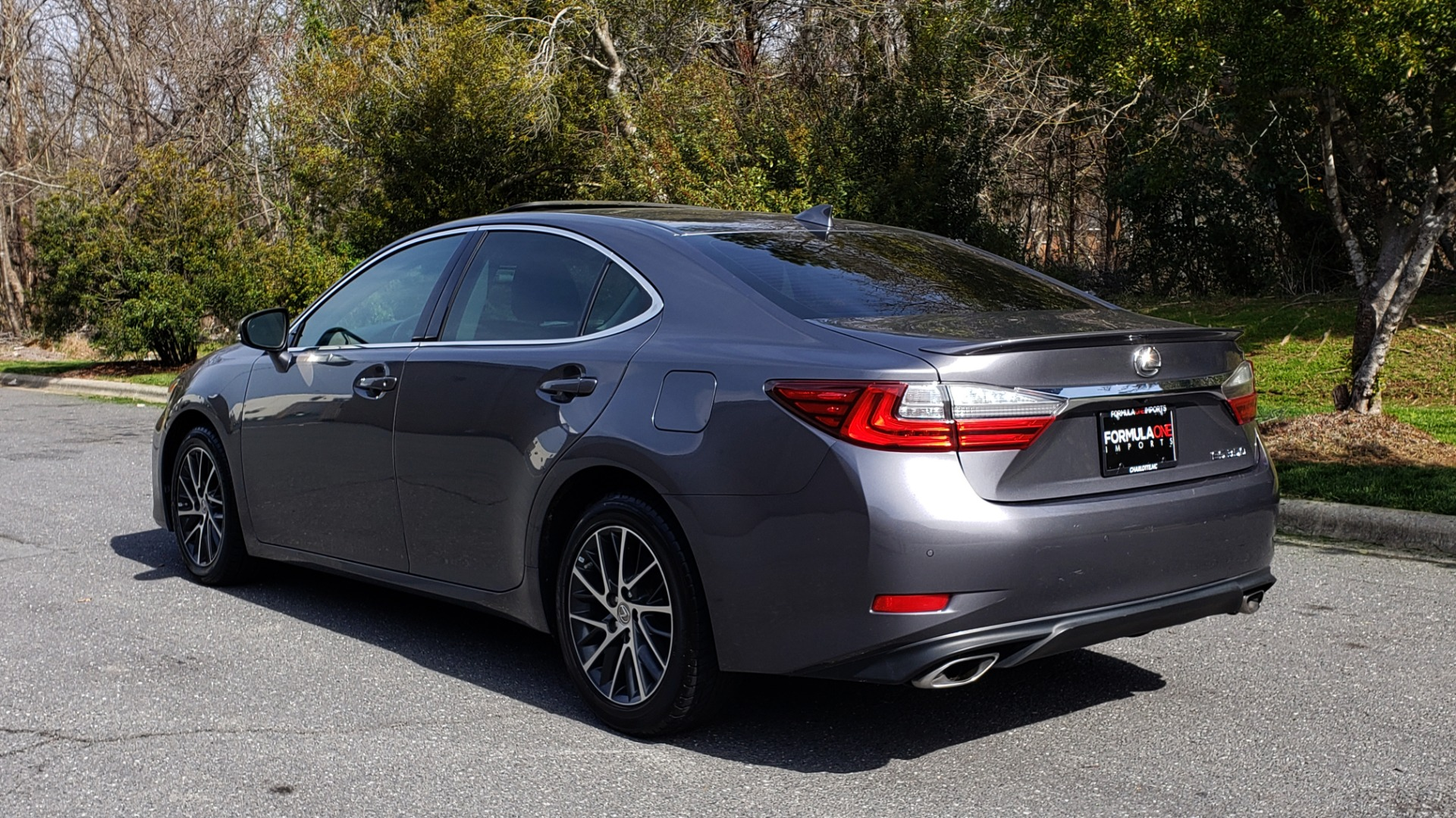 Used 2016 Lexus ES 350 4-DR PREMIUM / SUNROOF / BSM / REARVIEW / VENT STS for sale Sold at Formula Imports in Charlotte NC 28227 3