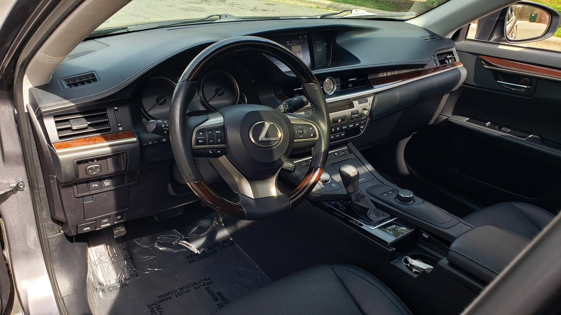 Used 2016 Lexus ES 350 4-DR PREMIUM / SUNROOF / BSM / REARVIEW / VENT STS for sale Sold at Formula Imports in Charlotte NC 28227 34