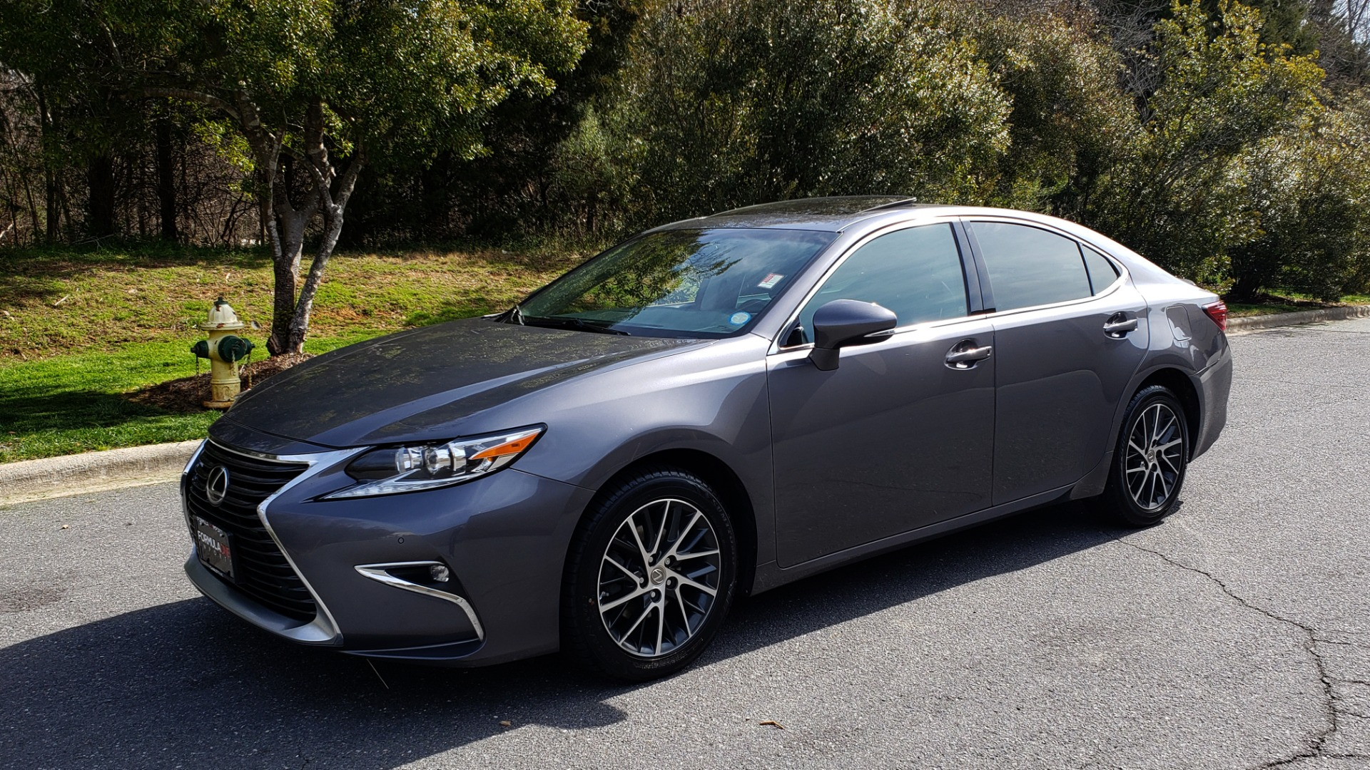 Used 2016 Lexus ES 350 4-DR PREMIUM / SUNROOF / BSM / REARVIEW / VENT STS for sale Sold at Formula Imports in Charlotte NC 28227 1