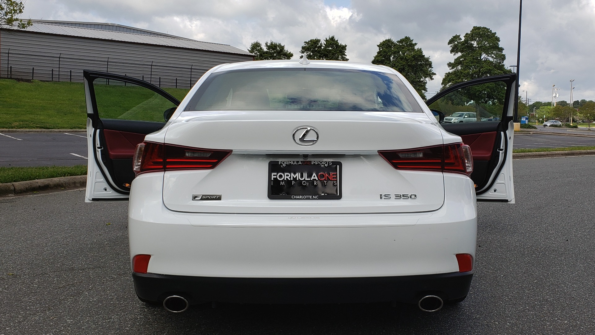 Used 2016 Lexus IS 350 F-SPORT / NAV / BSM / SUNROOF / REARVIEW / VENT SEATS for sale Sold at Formula Imports in Charlotte NC 28227 13