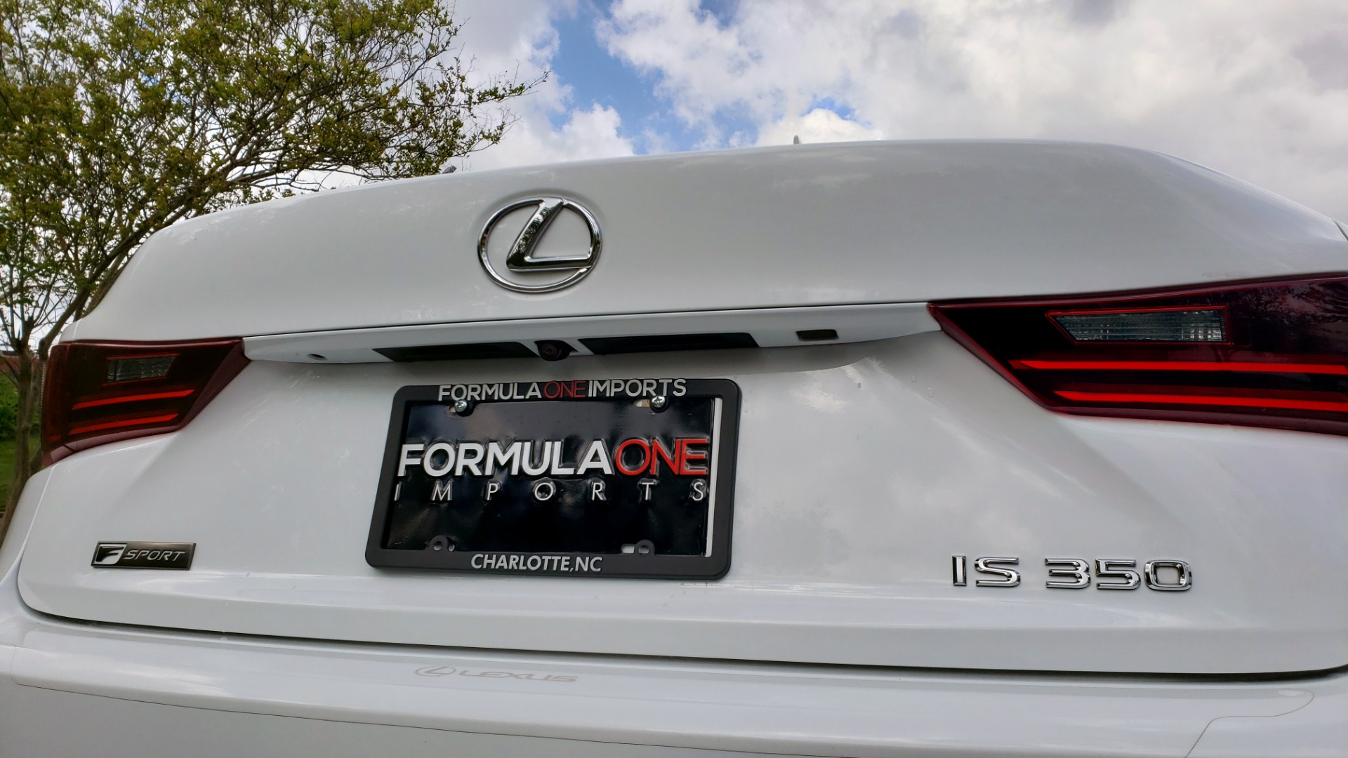Used 2016 Lexus IS 350 F-SPORT / NAV / BSM / SUNROOF / REARVIEW / VENT SEATS for sale Sold at Formula Imports in Charlotte NC 28227 16