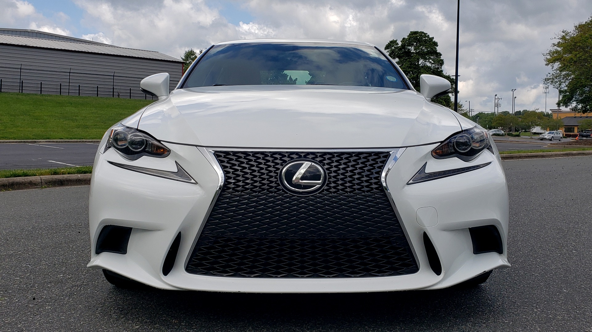 Used 2016 Lexus IS 350 F-SPORT / NAV / BSM / SUNROOF / REARVIEW / VENT SEATS for sale Sold at Formula Imports in Charlotte NC 28227 17