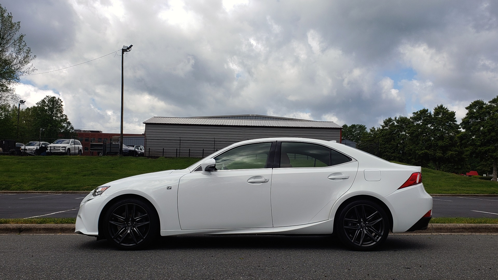 Used 2016 Lexus IS 350 F-SPORT / NAV / BSM / SUNROOF / REARVIEW / VENT SEATS for sale Sold at Formula Imports in Charlotte NC 28227 2