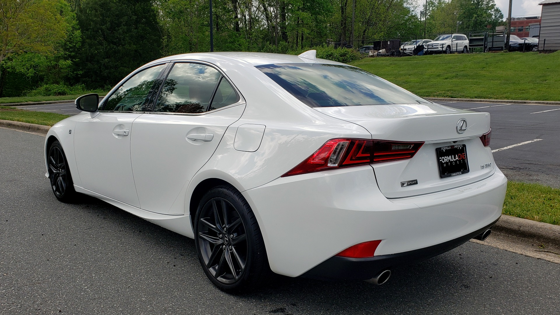 Used 2016 Lexus IS 350 F-SPORT / NAV / BSM / SUNROOF / REARVIEW / VENT SEATS for sale Sold at Formula Imports in Charlotte NC 28227 3