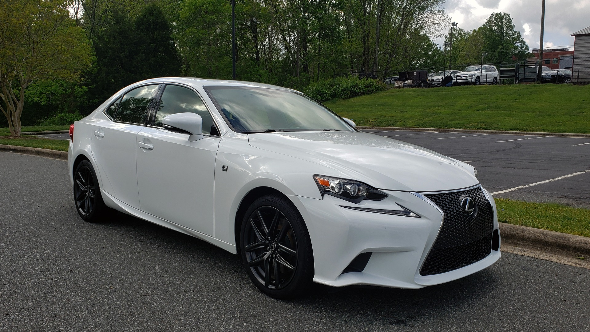 Used 2016 Lexus IS 350 F-SPORT / NAV / BSM / SUNROOF / REARVIEW / VENT SEATS for sale Sold at Formula Imports in Charlotte NC 28227 4