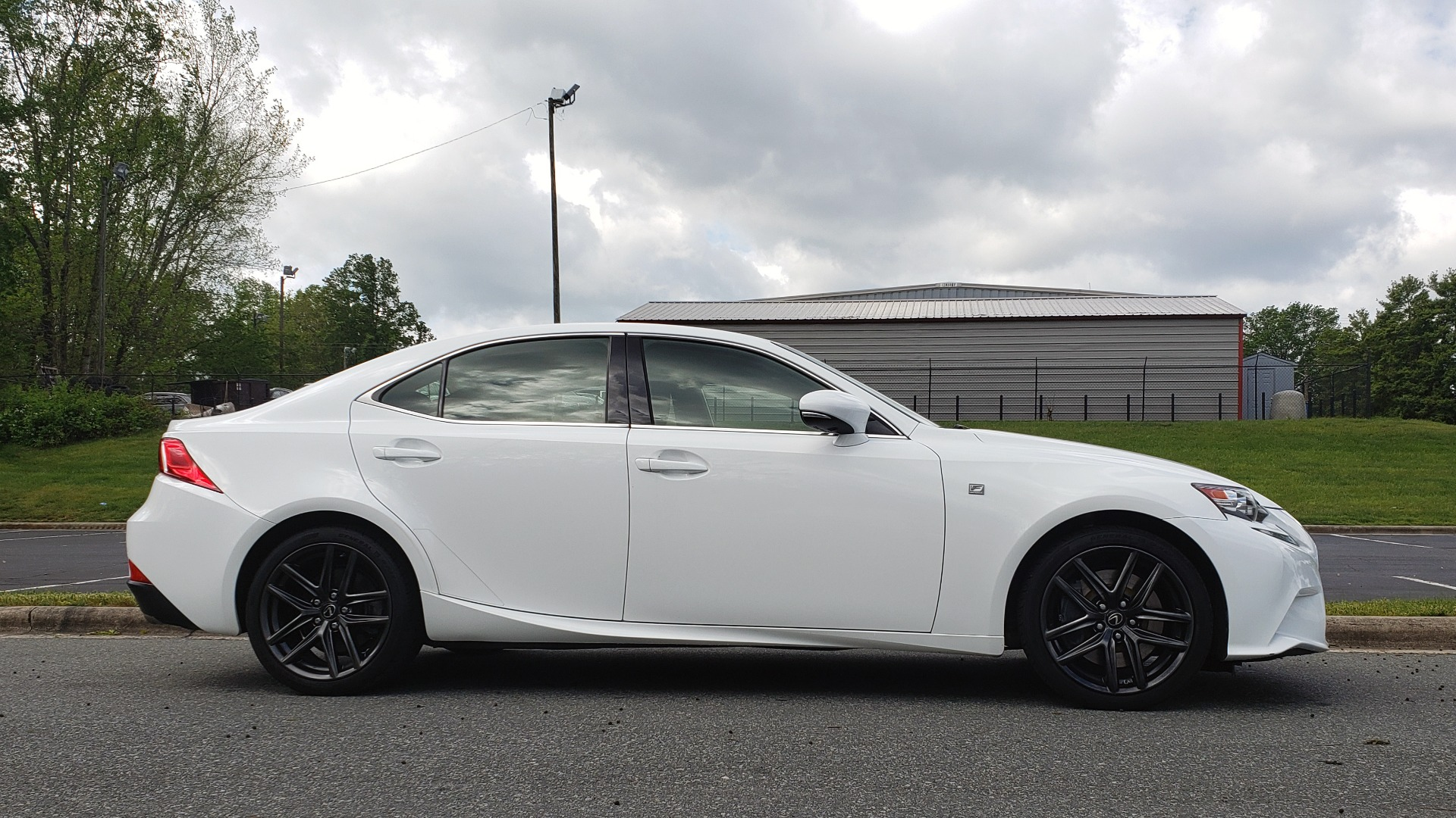 Used 2016 Lexus IS 350 F-SPORT / NAV / BSM / SUNROOF / REARVIEW / VENT SEATS for sale Sold at Formula Imports in Charlotte NC 28227 5