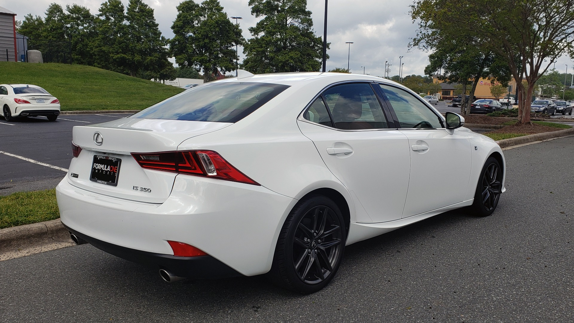Used 2016 Lexus IS 350 F-SPORT / NAV / BSM / SUNROOF / REARVIEW / VENT SEATS for sale Sold at Formula Imports in Charlotte NC 28227 6