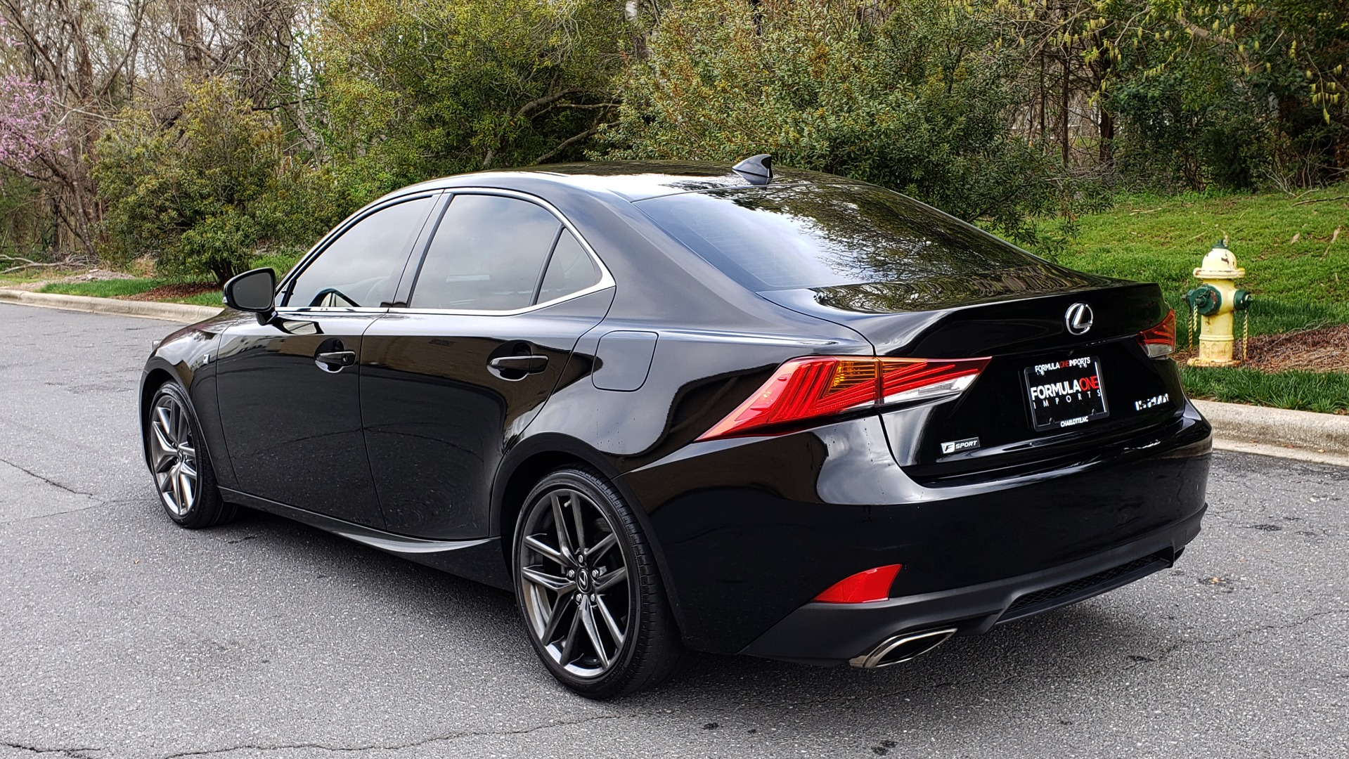 Used 2017 Lexus IS 200T F-SPORT / SUNROOF / REARVIEW / VENT SEATS for sale Sold at Formula Imports in Charlotte NC 28227 3