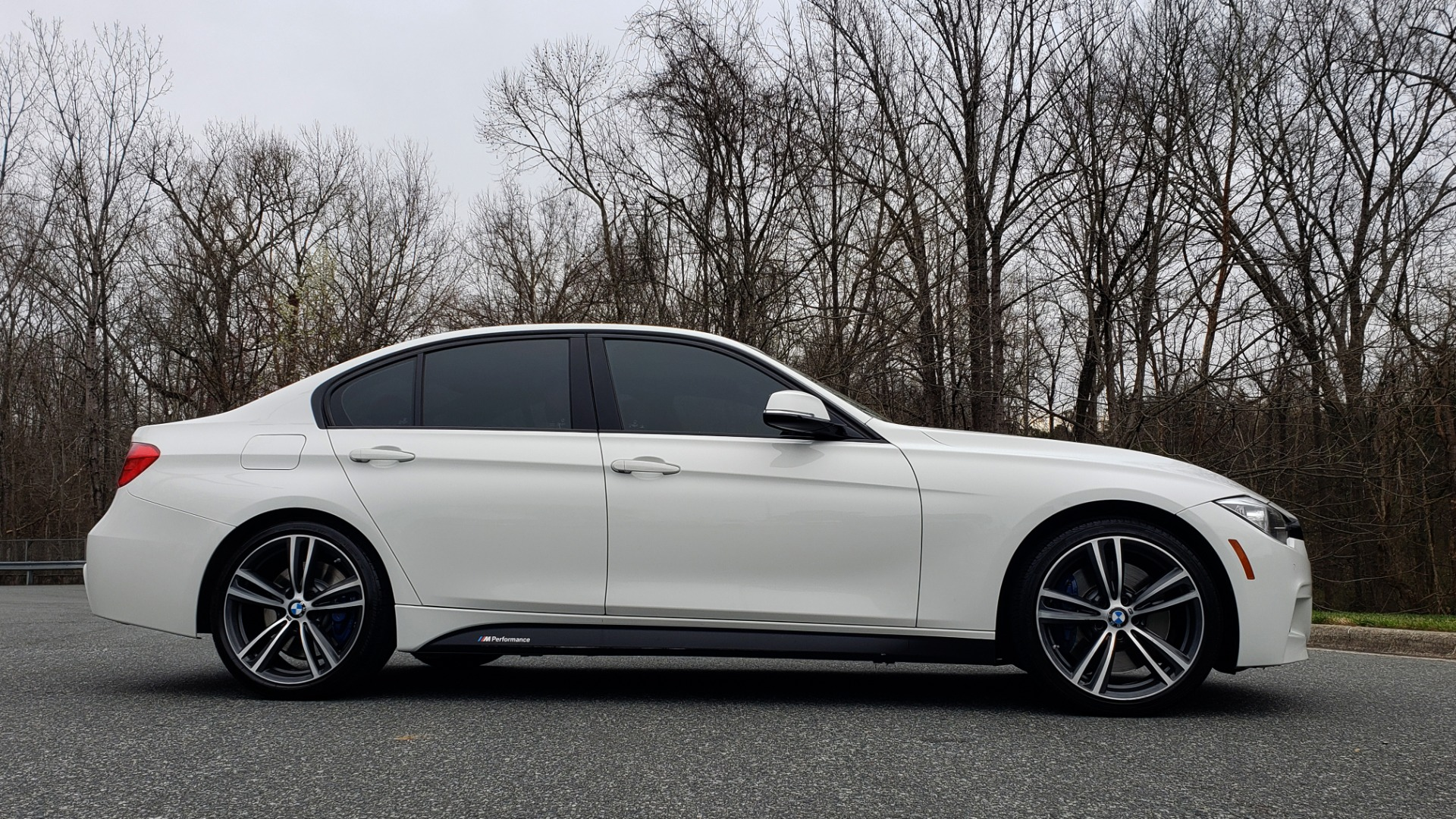 Used 2015 BMW 3 Series 335I M-SPORT / PREM PKG / HK SND / SUNROOF / REARVIEW for sale Sold at Formula Imports in Charlotte NC 28227 5