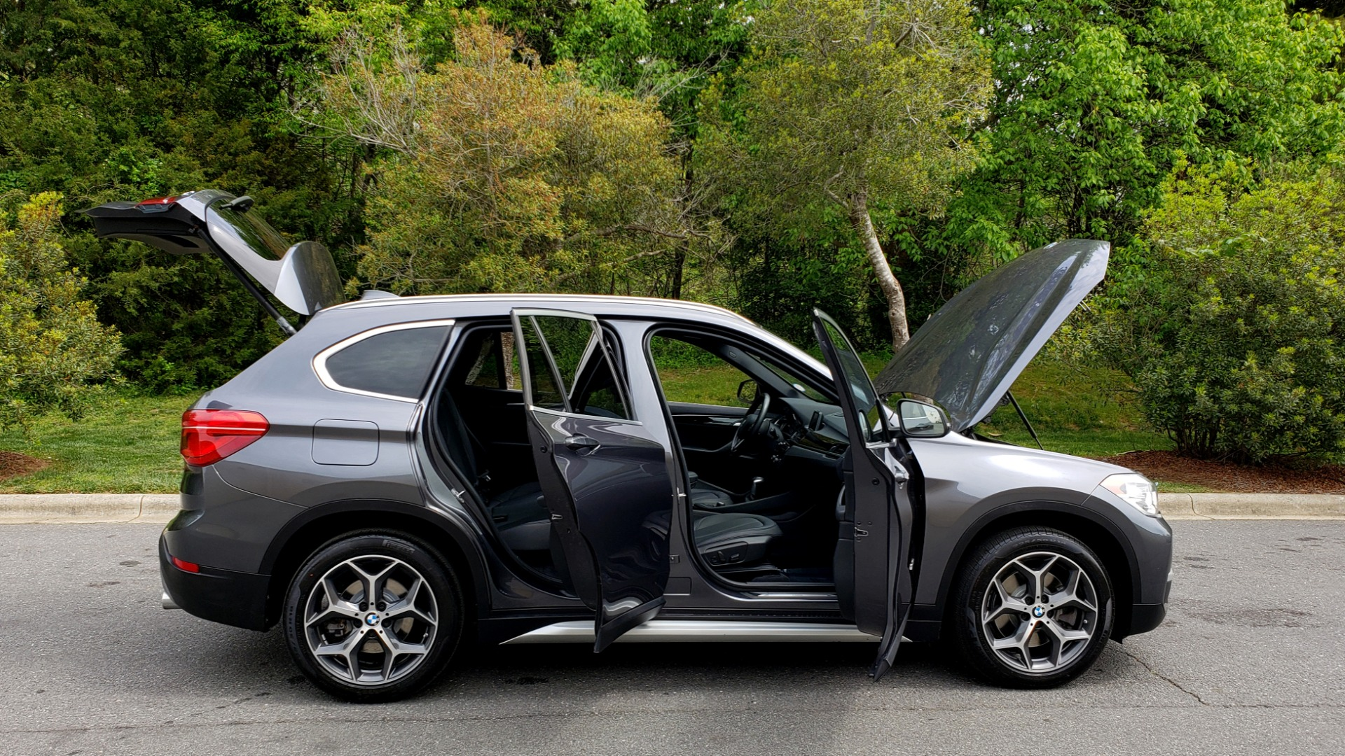 Used 2017 BMW X1 XDRIVE28I PREM PKG / COLD WTHR / PANO-ROOF / PWR STS for sale Sold at Formula Imports in Charlotte NC 28227 11