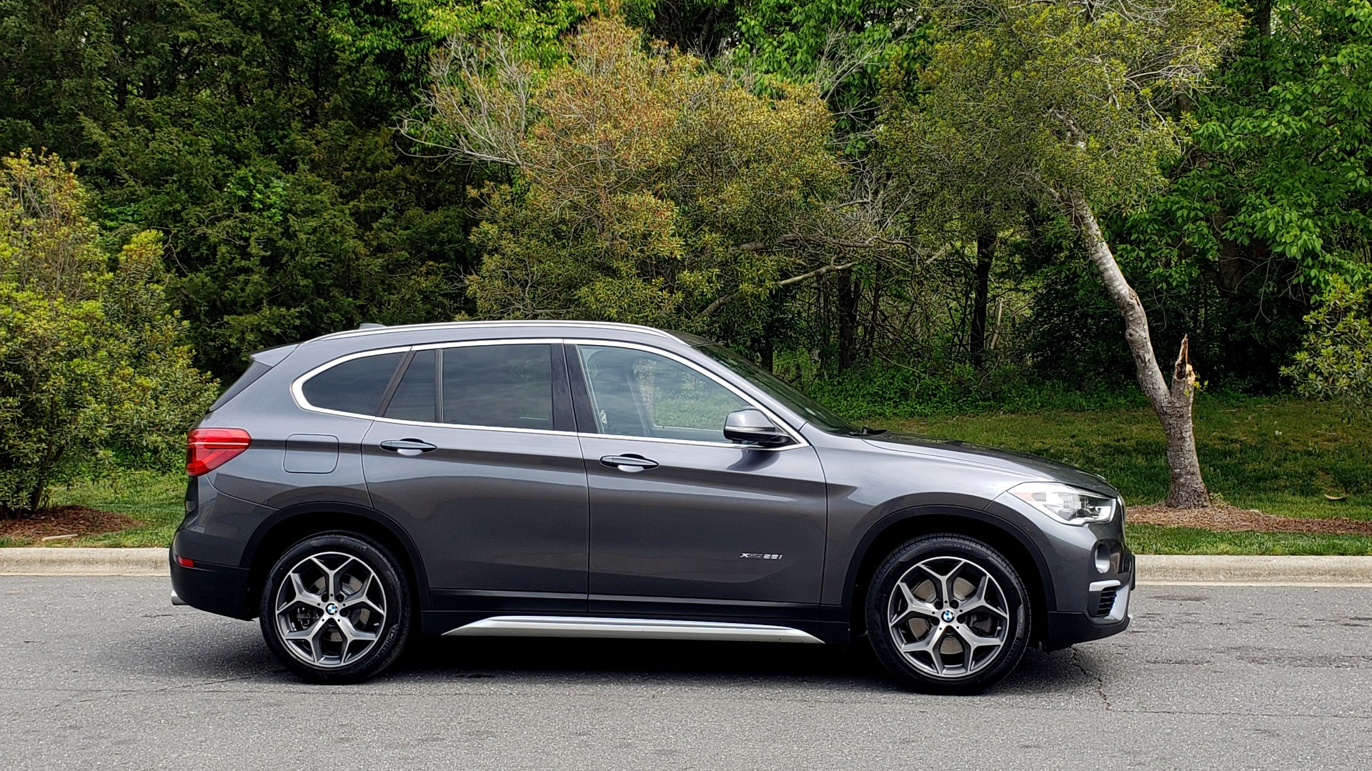 Used 2017 BMW X1 XDRIVE28I PREM PKG / COLD WTHR / PANO-ROOF / PWR STS for sale Sold at Formula Imports in Charlotte NC 28227 5