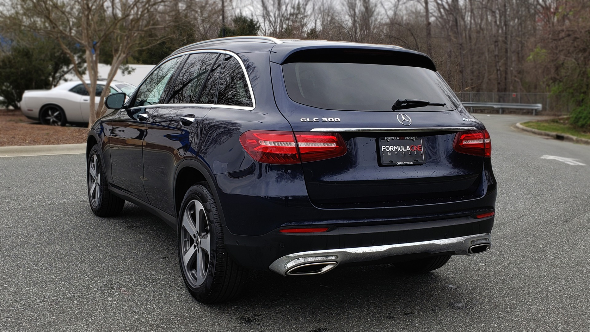 Used 2019 Mercedes-Benz GLC 300 PREMIUM / PRK ASST / NAV / PANO-ROOF / REARVIEW / HTD STS for sale Sold at Formula Imports in Charlotte NC 28227 3