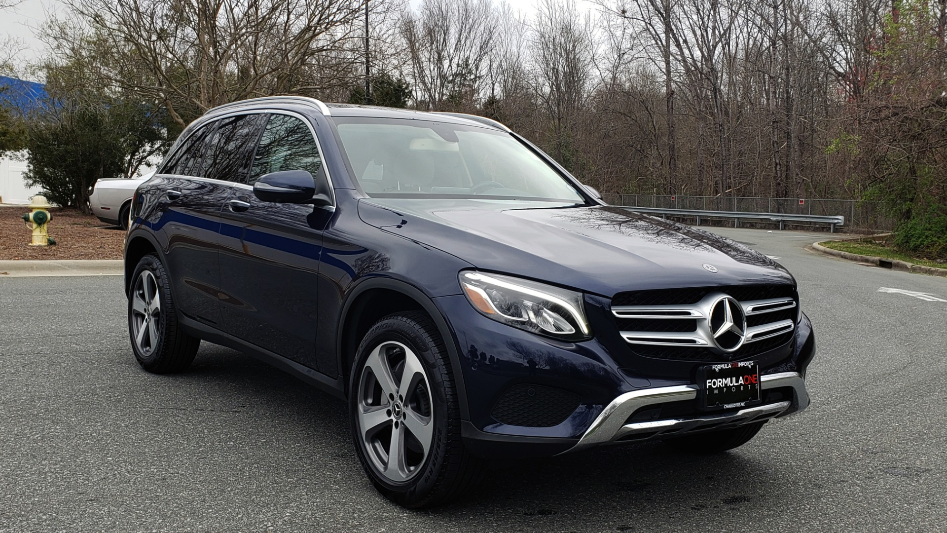 Used 2019 Mercedes-Benz GLC 300 PREMIUM / PRK ASST / NAV / PANO-ROOF / REARVIEW / HTD STS for sale Sold at Formula Imports in Charlotte NC 28227 4
