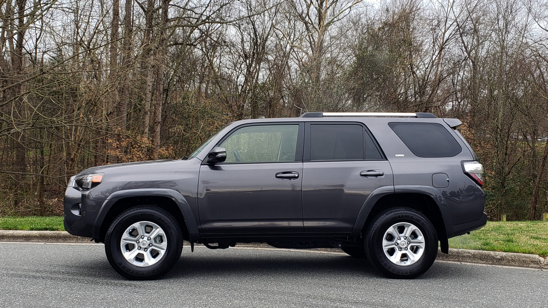 Used 2019 Toyota 4RUNNER SR5 PREMIUM 4WD / NAV / HTD STS / SUNROOF / REARVIEW for sale Sold at Formula Imports in Charlotte NC 28227 2