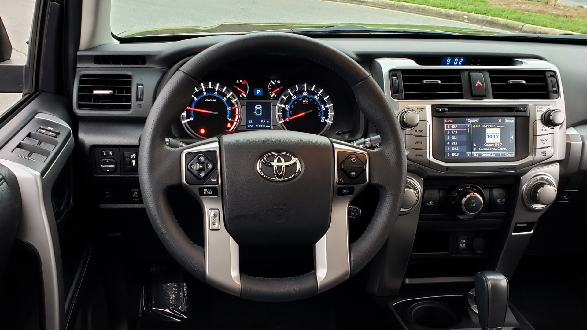 Used 2019 Toyota 4RUNNER SR5 PREMIUM 4WD / NAV / HTD STS / SUNROOF / REARVIEW for sale Sold at Formula Imports in Charlotte NC 28227 37