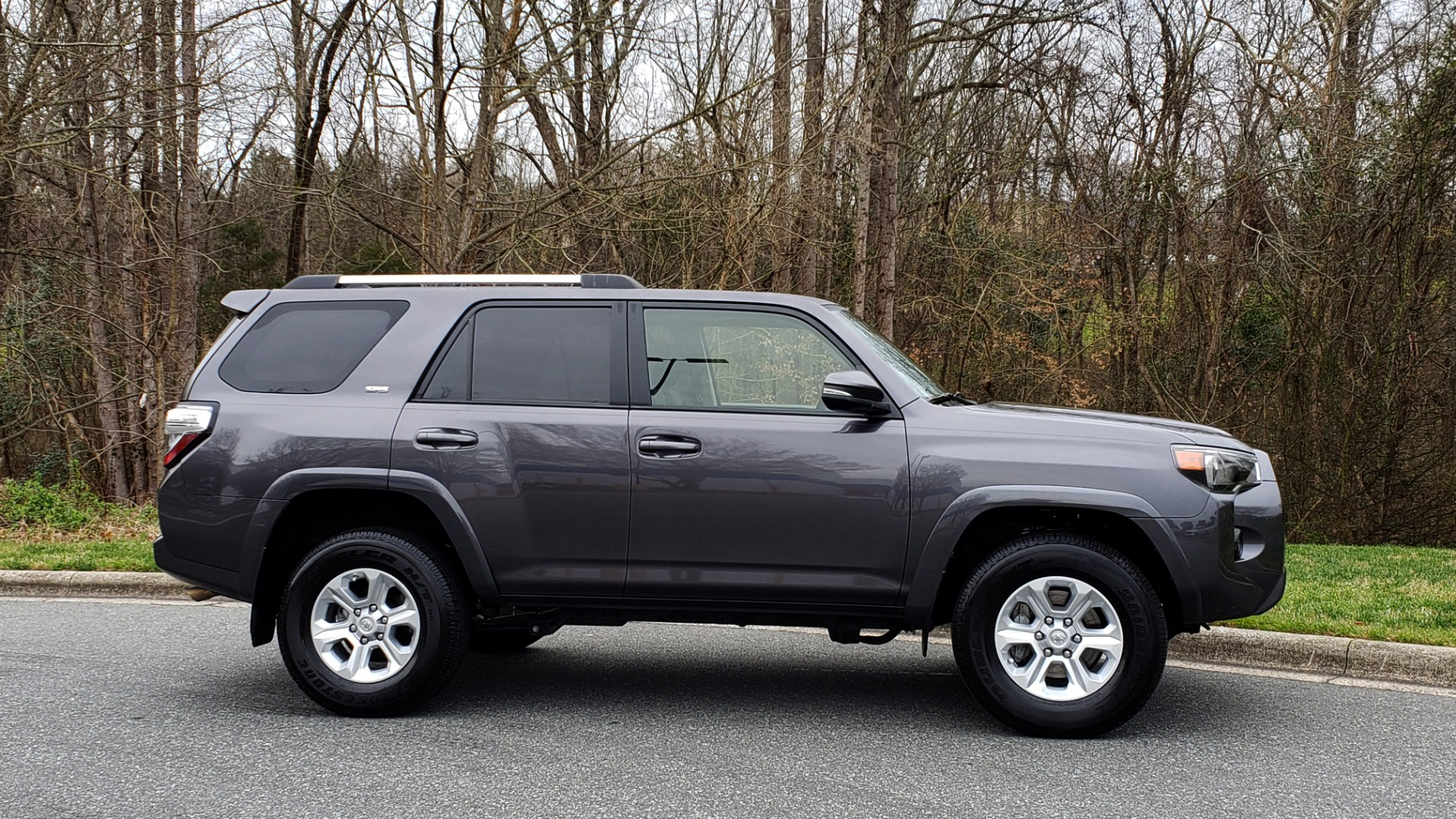 Used 2019 Toyota 4RUNNER SR5 PREMIUM 4WD / NAV / HTD STS / SUNROOF / REARVIEW for sale Sold at Formula Imports in Charlotte NC 28227 5