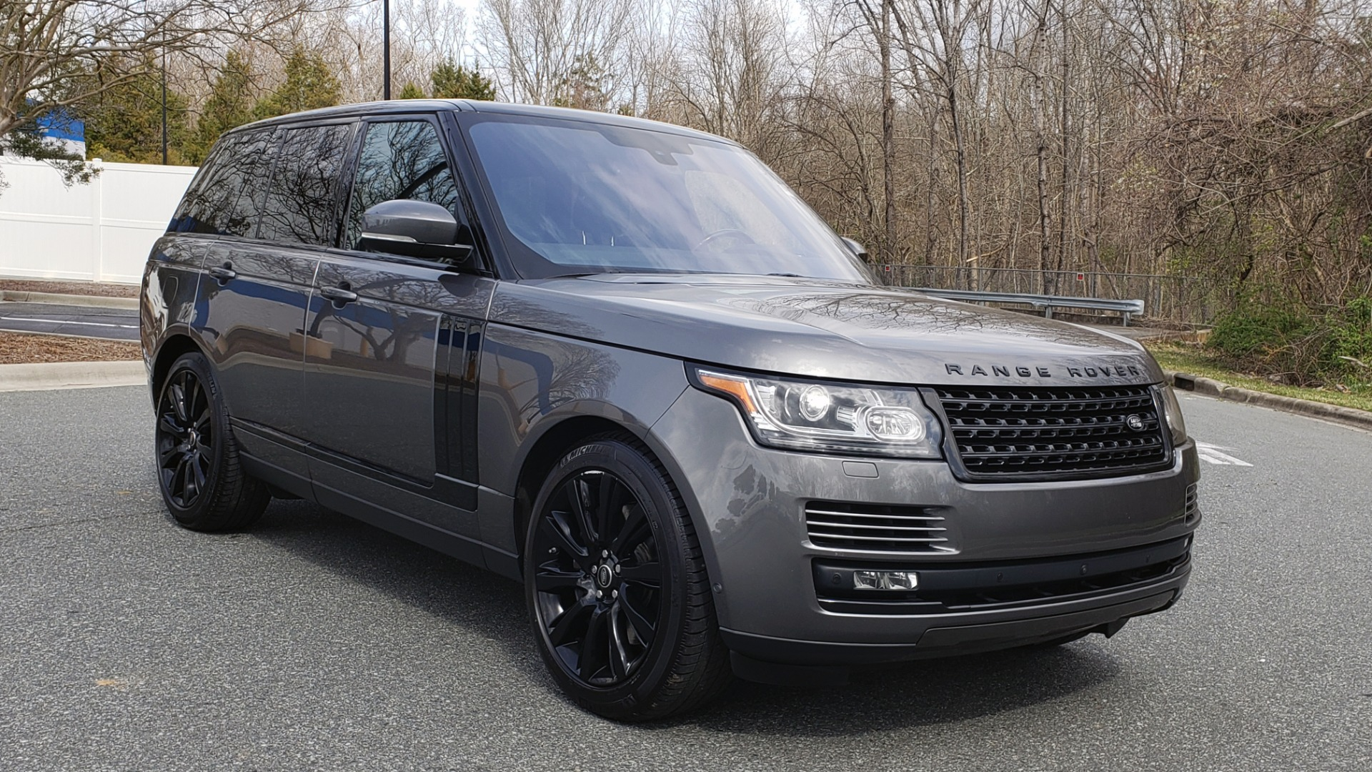 Used 2016 Land Rover RANGE ROVER SUPERCHARGED V8 / NAV / PANO-ROOF / REARVIEW for sale Sold at Formula Imports in Charlotte NC 28227 11