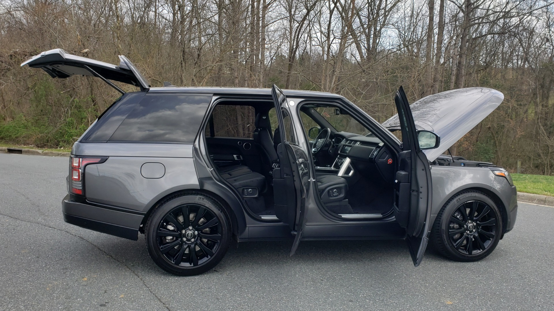 Used 2016 Land Rover RANGE ROVER SUPERCHARGED V8 / NAV / PANO-ROOF / REARVIEW for sale Sold at Formula Imports in Charlotte NC 28227 14
