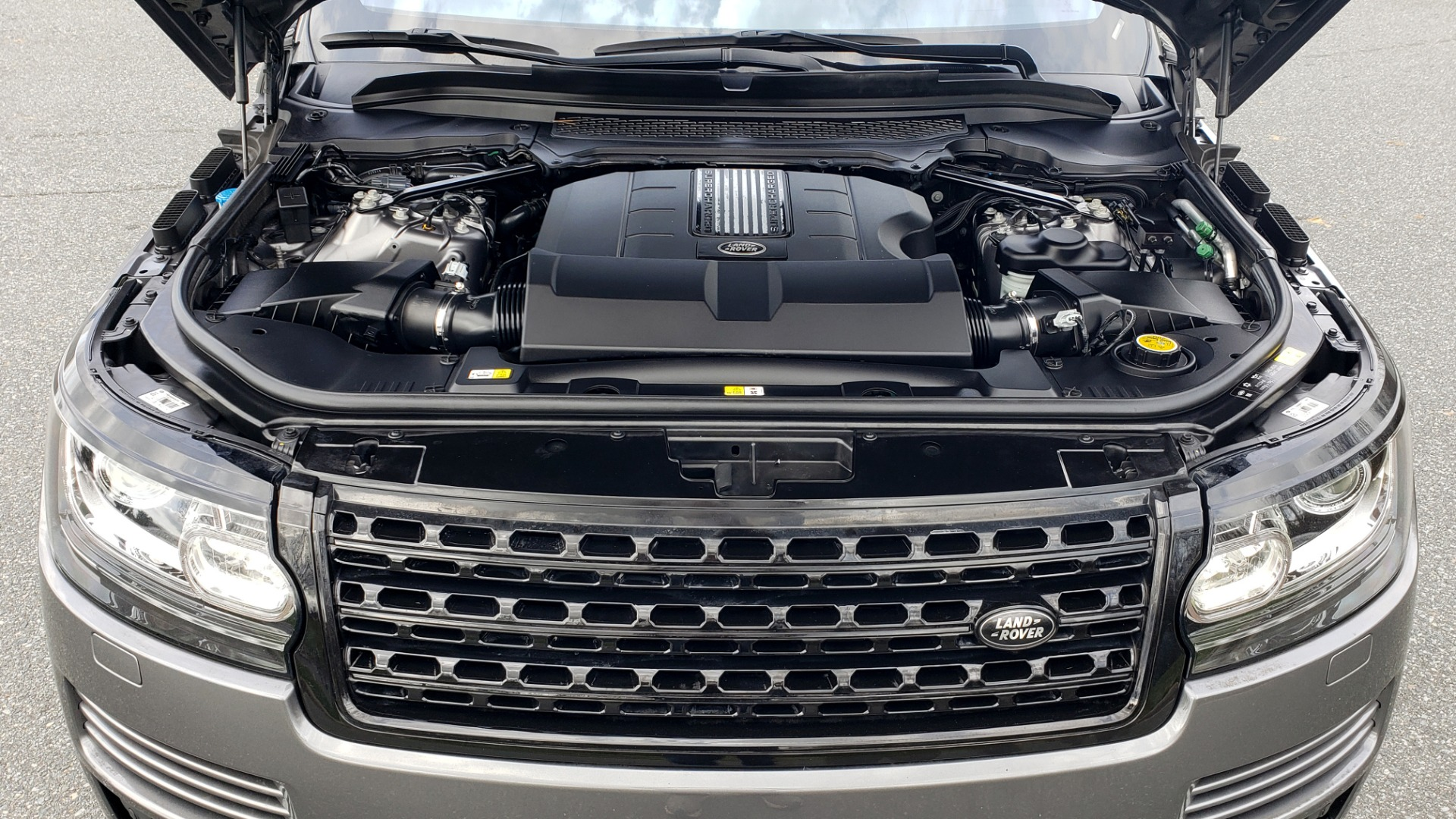Used 2016 Land Rover RANGE ROVER SUPERCHARGED V8 / NAV / PANO-ROOF / REARVIEW for sale Sold at Formula Imports in Charlotte NC 28227 15