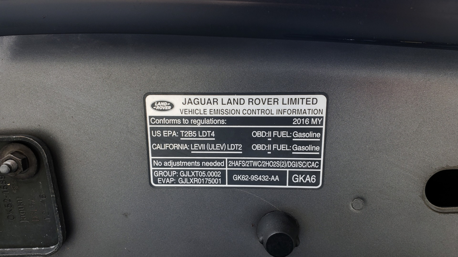 Used 2016 Land Rover RANGE ROVER SUPERCHARGED V8 / NAV / PANO-ROOF / REARVIEW for sale Sold at Formula Imports in Charlotte NC 28227 17