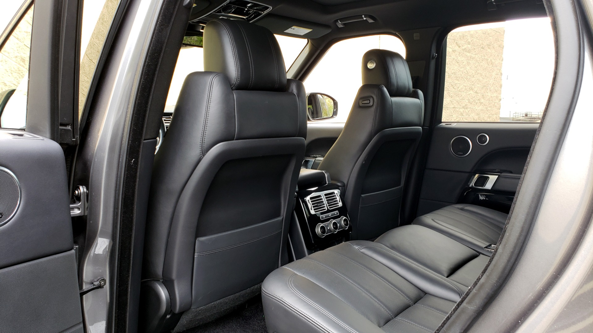 Used 2016 Land Rover RANGE ROVER SUPERCHARGED V8 / NAV / PANO-ROOF / REARVIEW for sale Sold at Formula Imports in Charlotte NC 28227 69