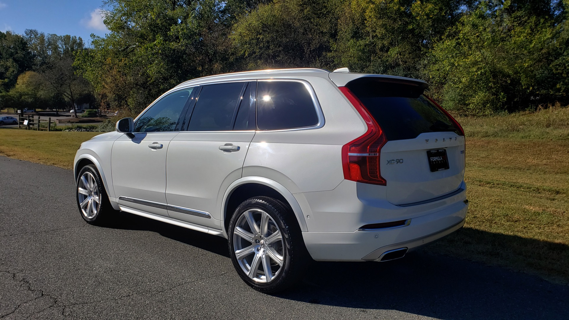 Used 2017 Volvo XC90 INSCRIPTION / AWD / NAV / SUNROOF / 3-ROW / CAMERA for sale Sold at Formula Imports in Charlotte NC 28227 3