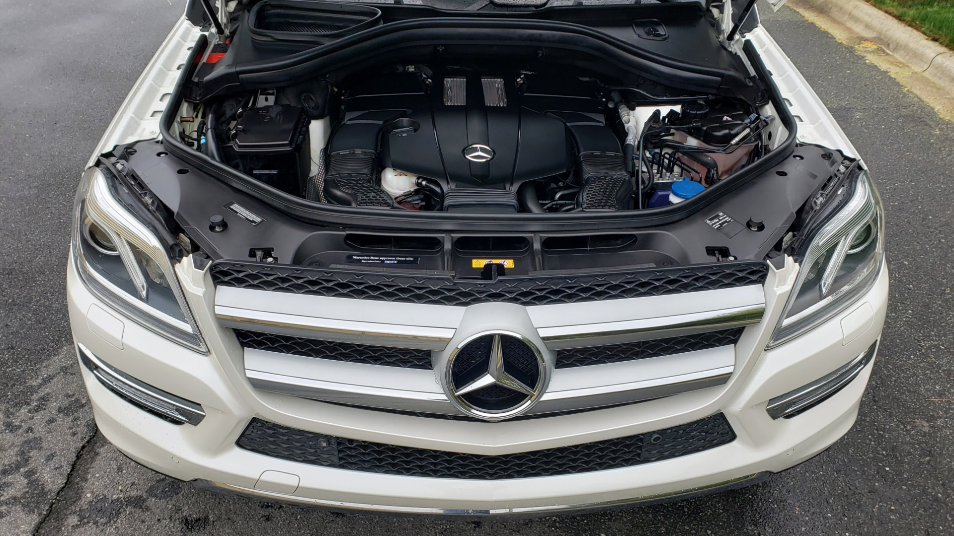 Used 2015 Mercedes-Benz GL-Class GL 450 4MATIC PREMIUM / NAV / PANO-ROOF / LANE TRACK / PARK ASST for sale Sold at Formula Imports in Charlotte NC 28227 10