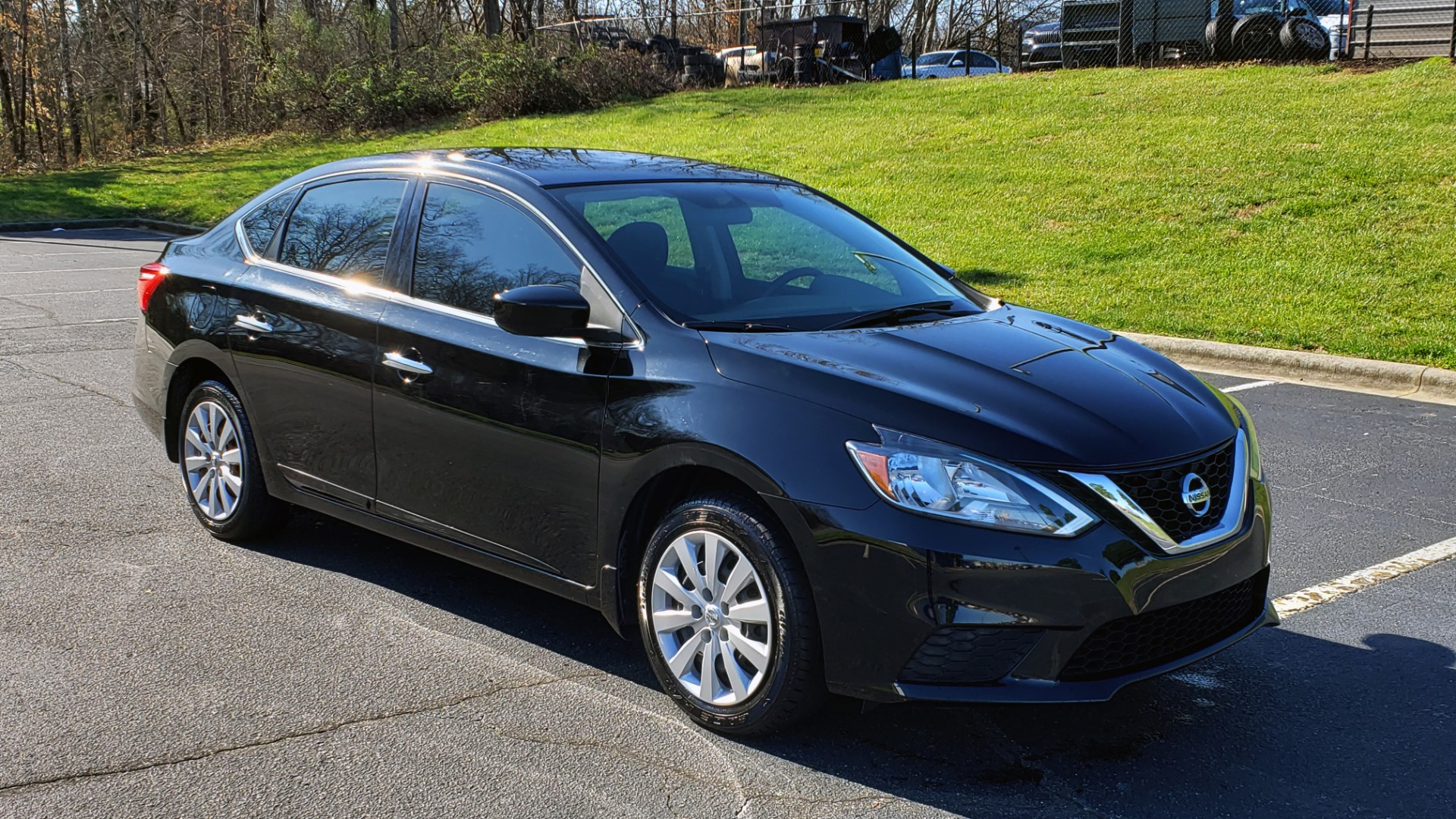 Used 2016 Nissan SENTRA S / FWD / CVT AUTO TRANS / 4-CYL / VERY CLEAN! for sale Sold at Formula Imports in Charlotte NC 28227 4
