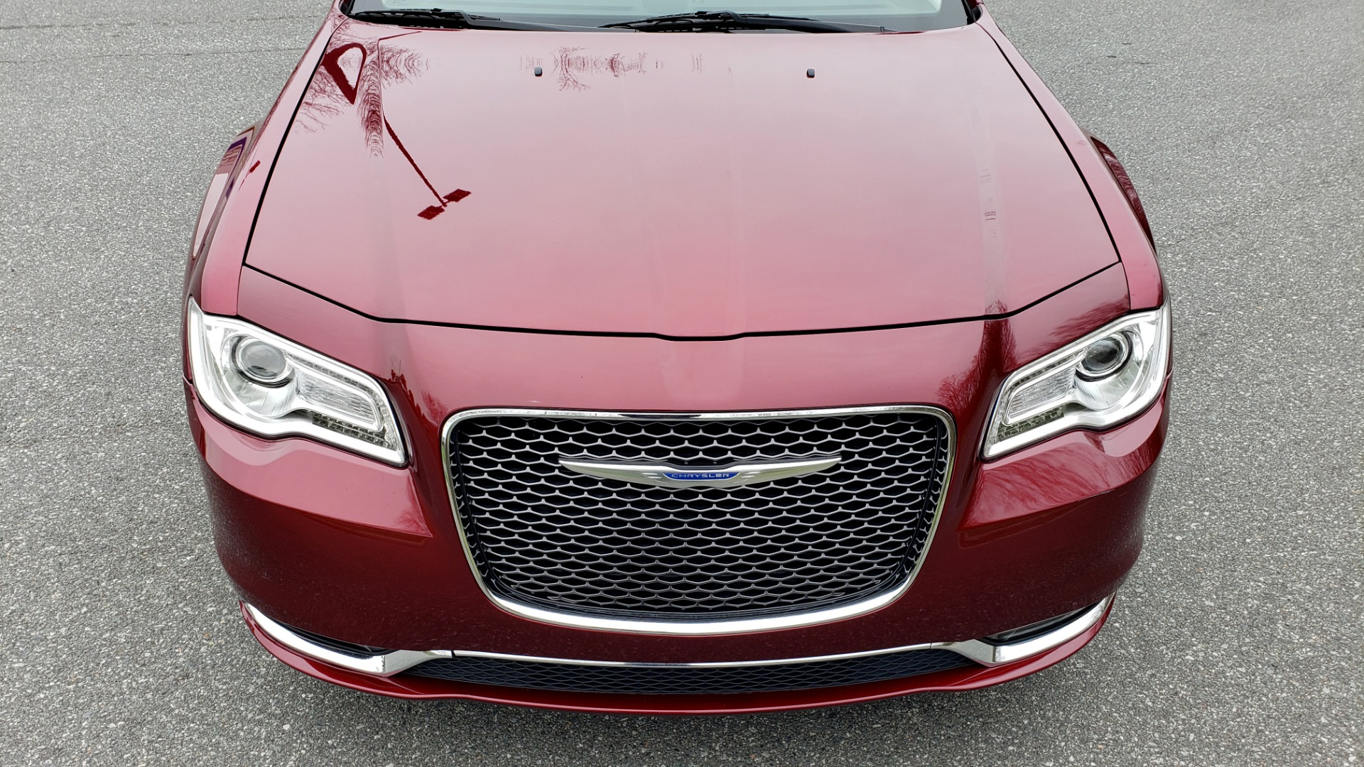 Used 2019 Chrysler 300 LIMITED / 3.6L V6 / 8-SPD AUTO / LEATHER / REARVIEW for sale Sold at Formula Imports in Charlotte NC 28227 20