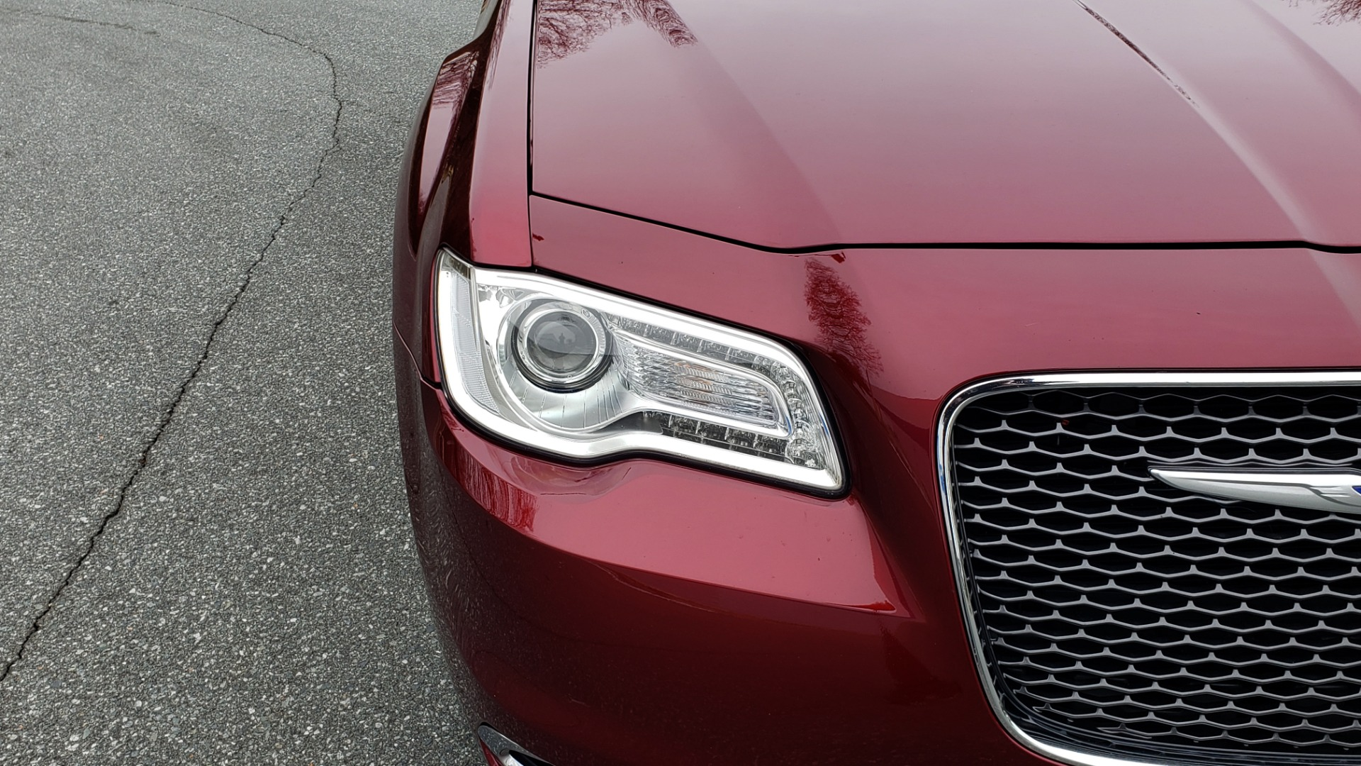 Used 2019 Chrysler 300 LIMITED / 3.6L V6 / 8-SPD AUTO / LEATHER / REARVIEW for sale Sold at Formula Imports in Charlotte NC 28227 26