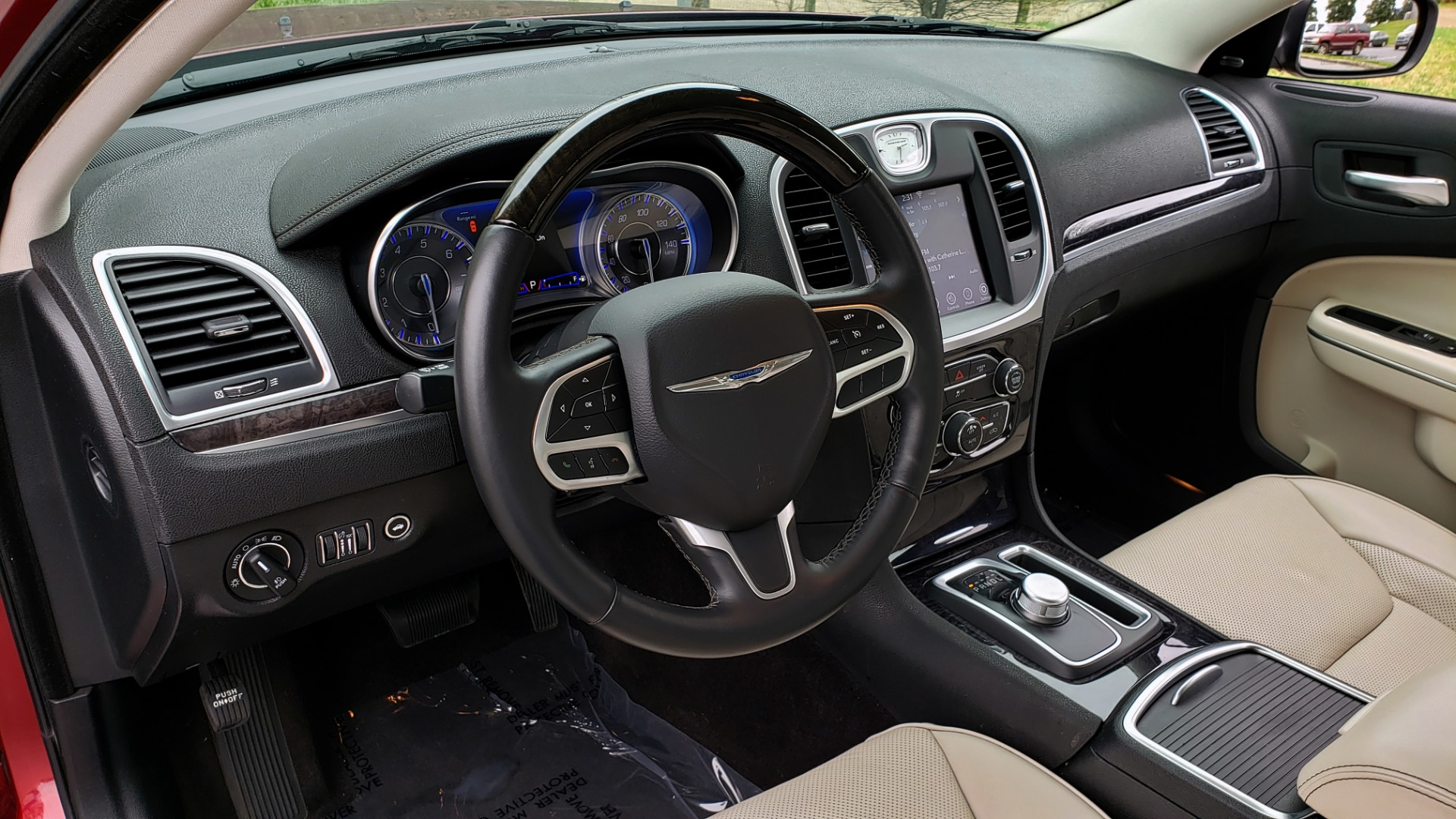 Used 2019 Chrysler 300 LIMITED / 3.6L V6 / 8-SPD AUTO / LEATHER / REARVIEW for sale Sold at Formula Imports in Charlotte NC 28227 41