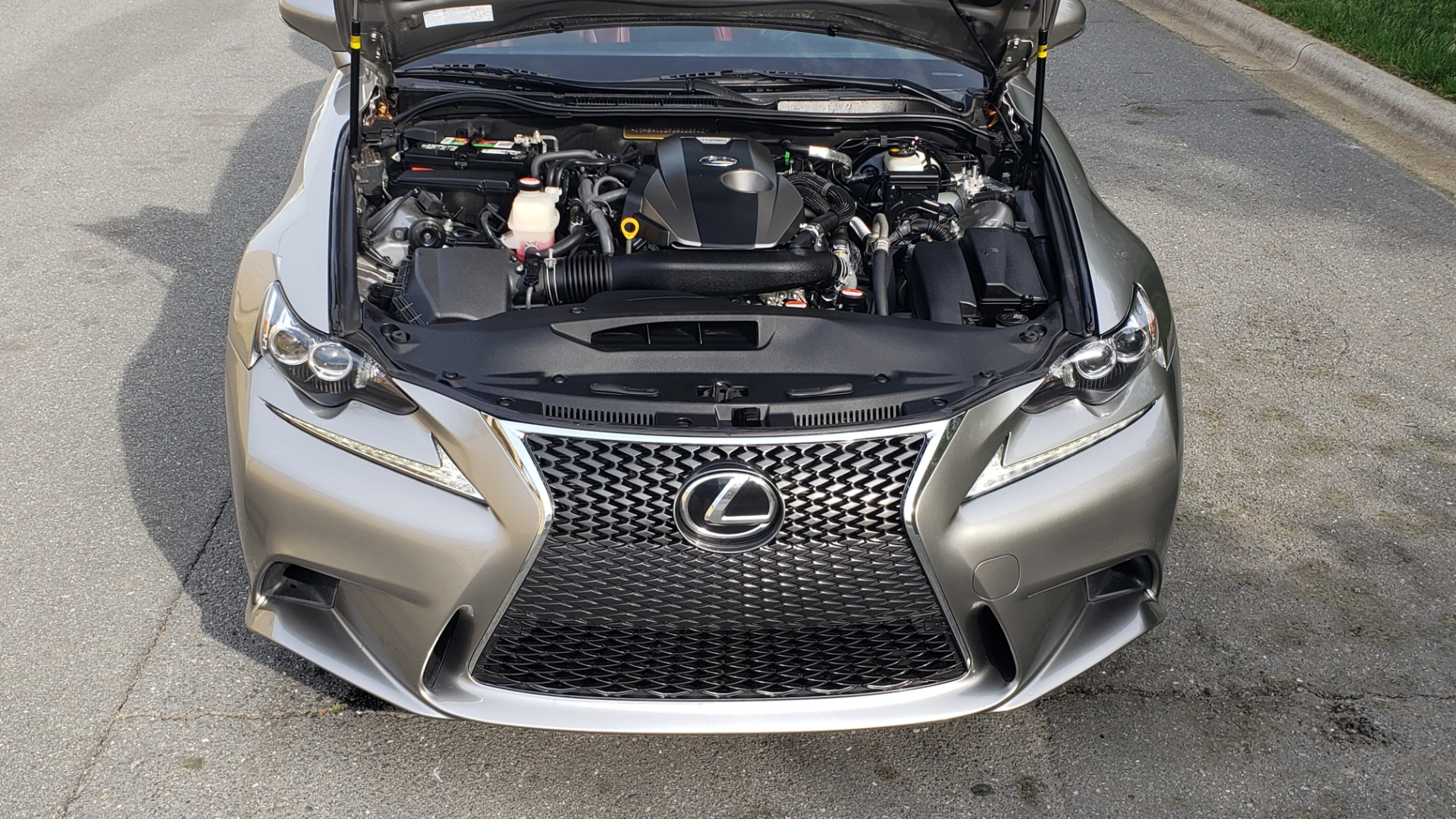 Used 2016 Lexus IS 200T F-SPORT / BSM / SUNROOF / VENTILATED SEATS / REARVIEW for sale Sold at Formula Imports in Charlotte NC 28227 10