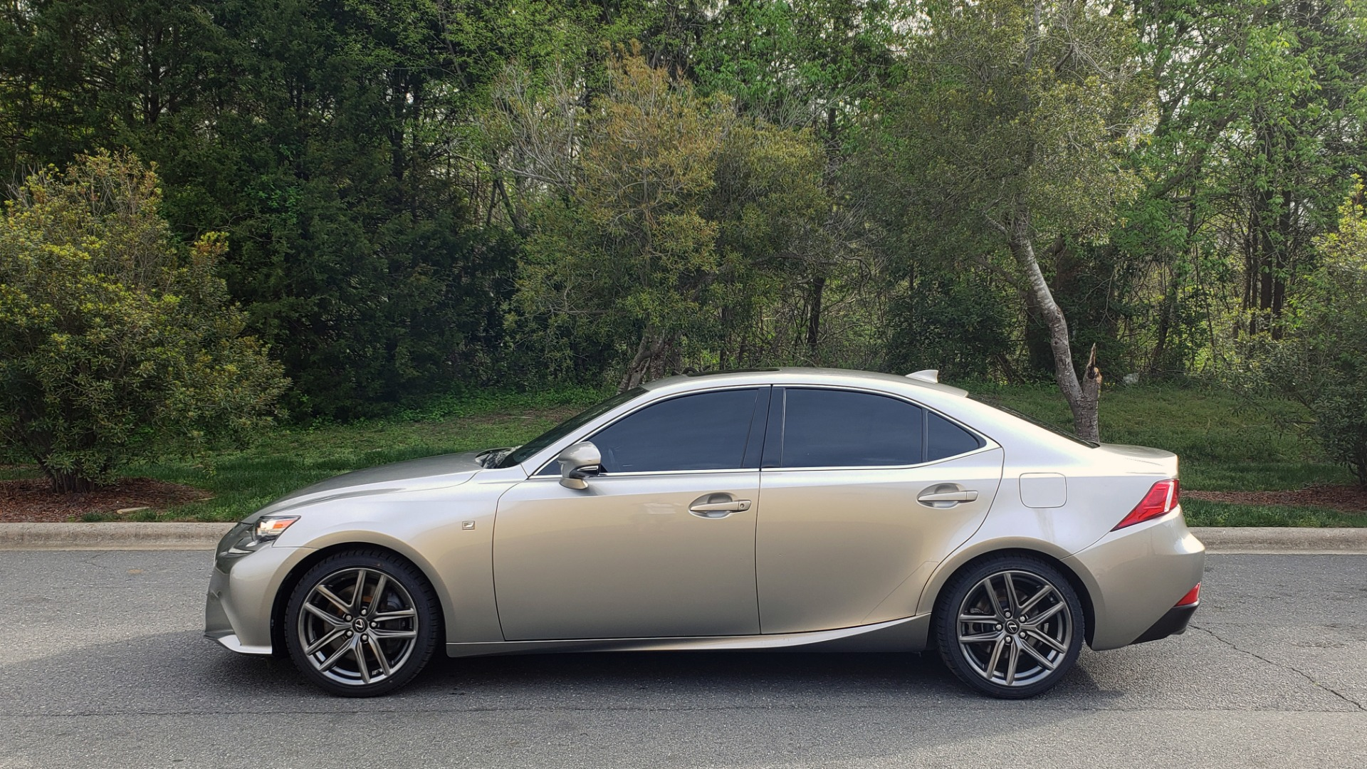 Used 2016 Lexus IS 200T F-SPORT / BSM / SUNROOF / VENTILATED SEATS / REARVIEW for sale Sold at Formula Imports in Charlotte NC 28227 2