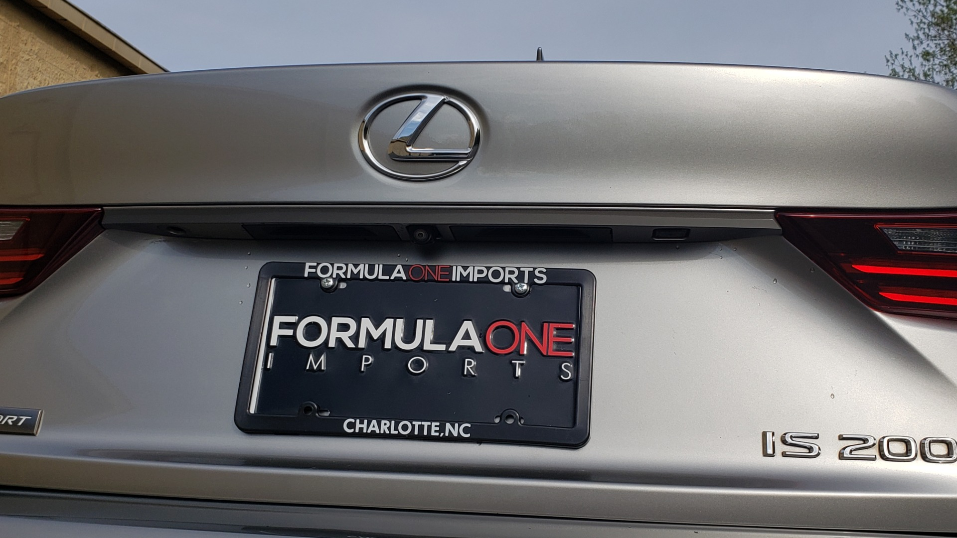 Used 2016 Lexus IS 200T F-SPORT / BSM / SUNROOF / VENTILATED SEATS / REARVIEW for sale Sold at Formula Imports in Charlotte NC 28227 30