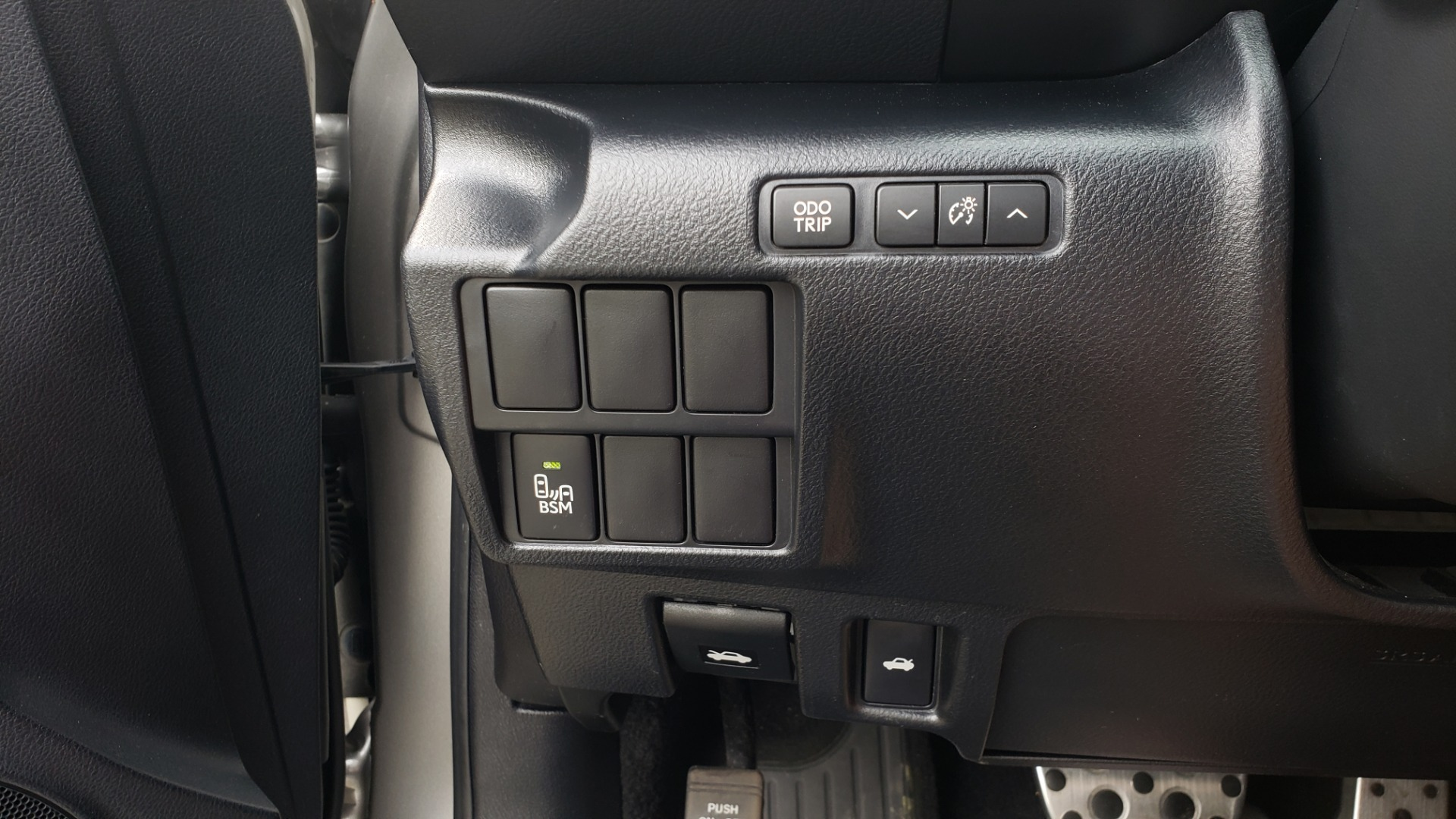 Used 2016 Lexus IS 200T F-SPORT / BSM / SUNROOF / VENTILATED SEATS / REARVIEW for sale Sold at Formula Imports in Charlotte NC 28227 38