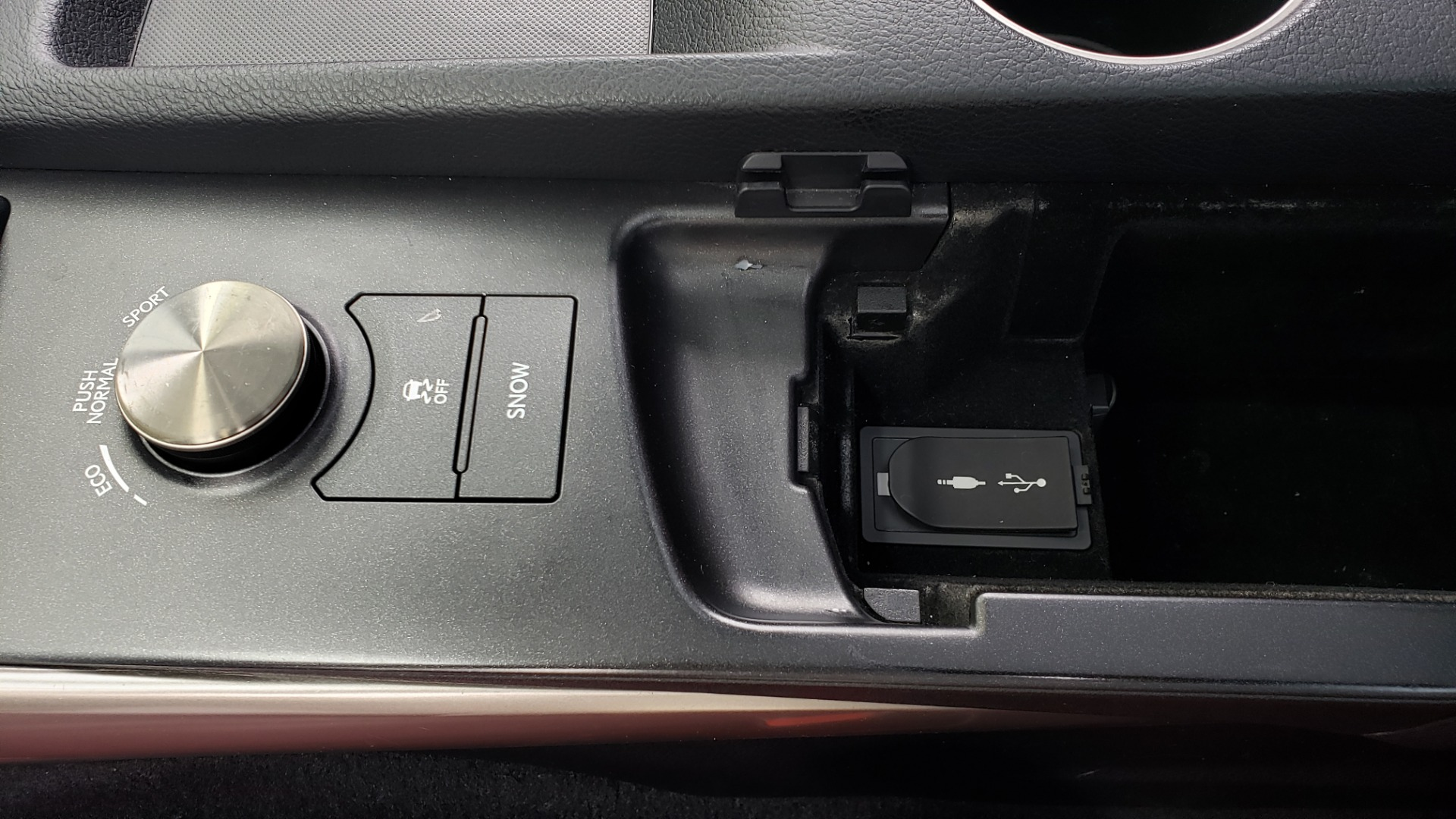 Used 2016 Lexus IS 200T F-SPORT / BSM / SUNROOF / VENTILATED SEATS / REARVIEW for sale Sold at Formula Imports in Charlotte NC 28227 53