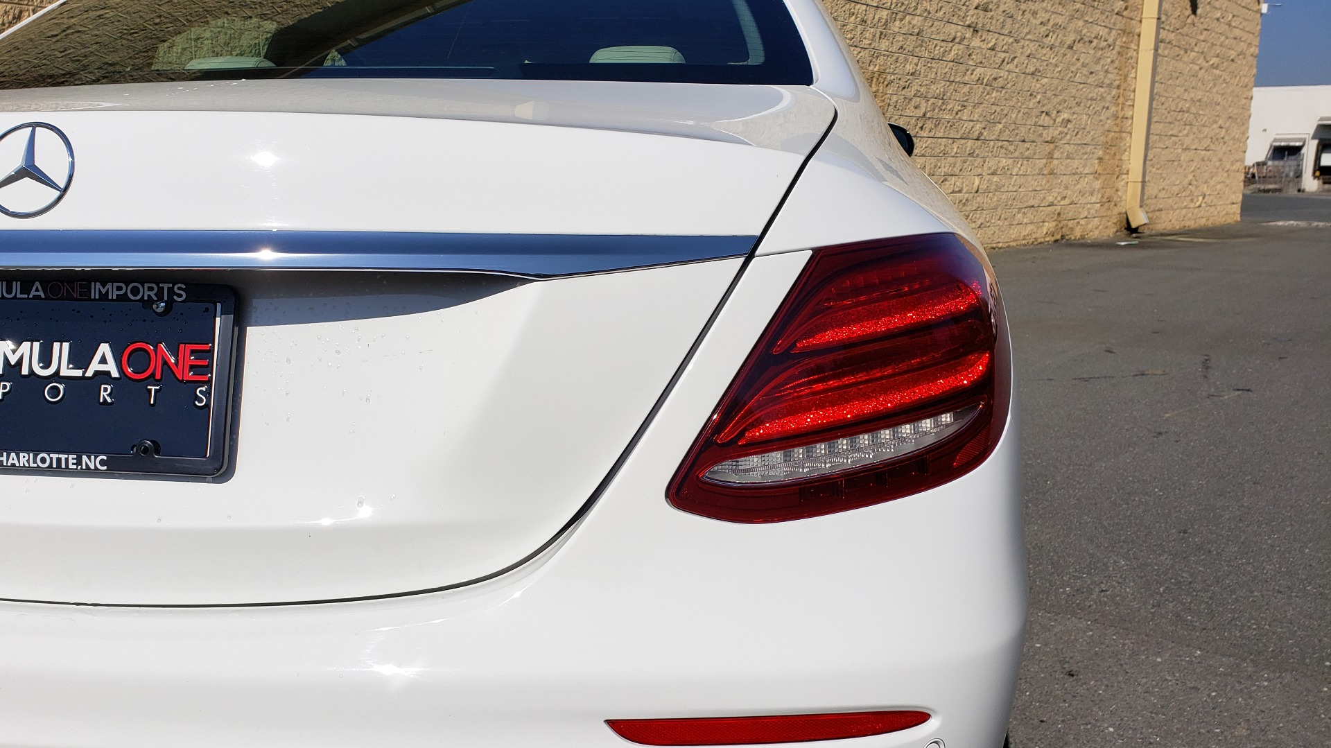 Used 2017 Mercedes-Benz E-Class E 300 PREMIUM / RWD / NAV / SNF / PARKING PILOT / REARVIEW / BURMESTER for sale Sold at Formula Imports in Charlotte NC 28227 18