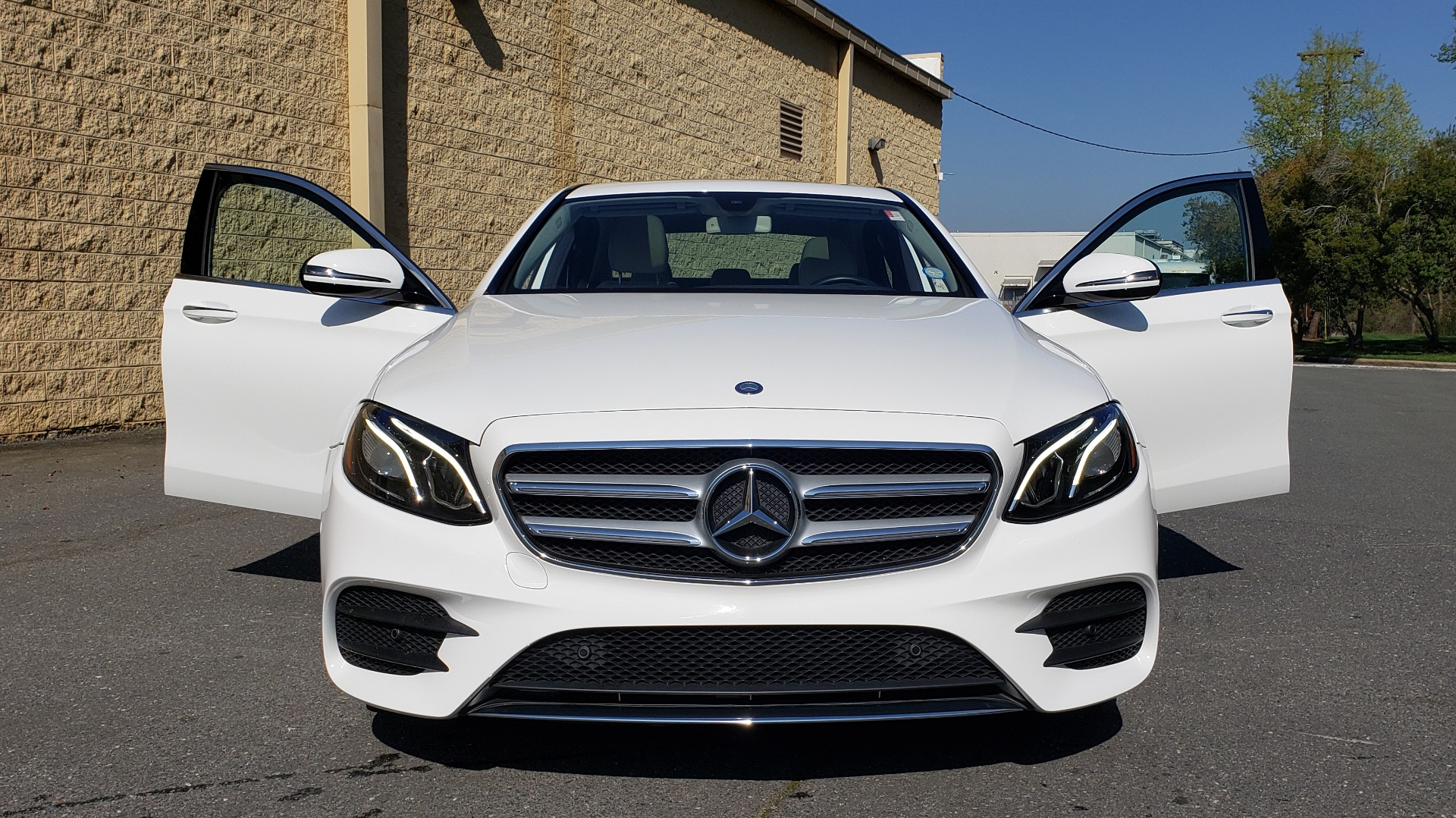 Used 2017 Mercedes-Benz E-Class E 300 PREMIUM / RWD / NAV / SNF / PARKING PILOT / REARVIEW / BURMESTER for sale Sold at Formula Imports in Charlotte NC 28227 20