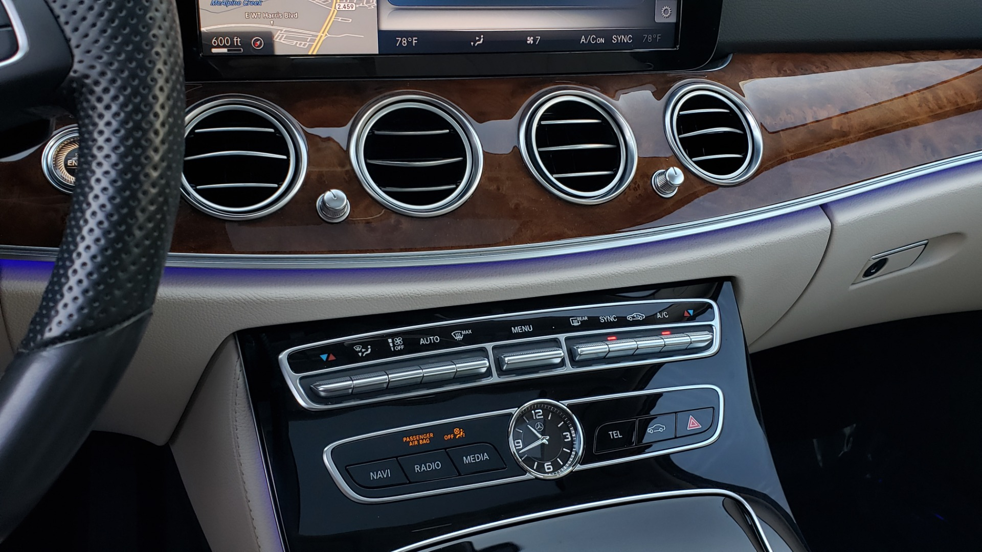 Used 2017 Mercedes-Benz E-Class E 300 PREMIUM / RWD / NAV / SNF / PARKING PILOT / REARVIEW / BURMESTER for sale Sold at Formula Imports in Charlotte NC 28227 42